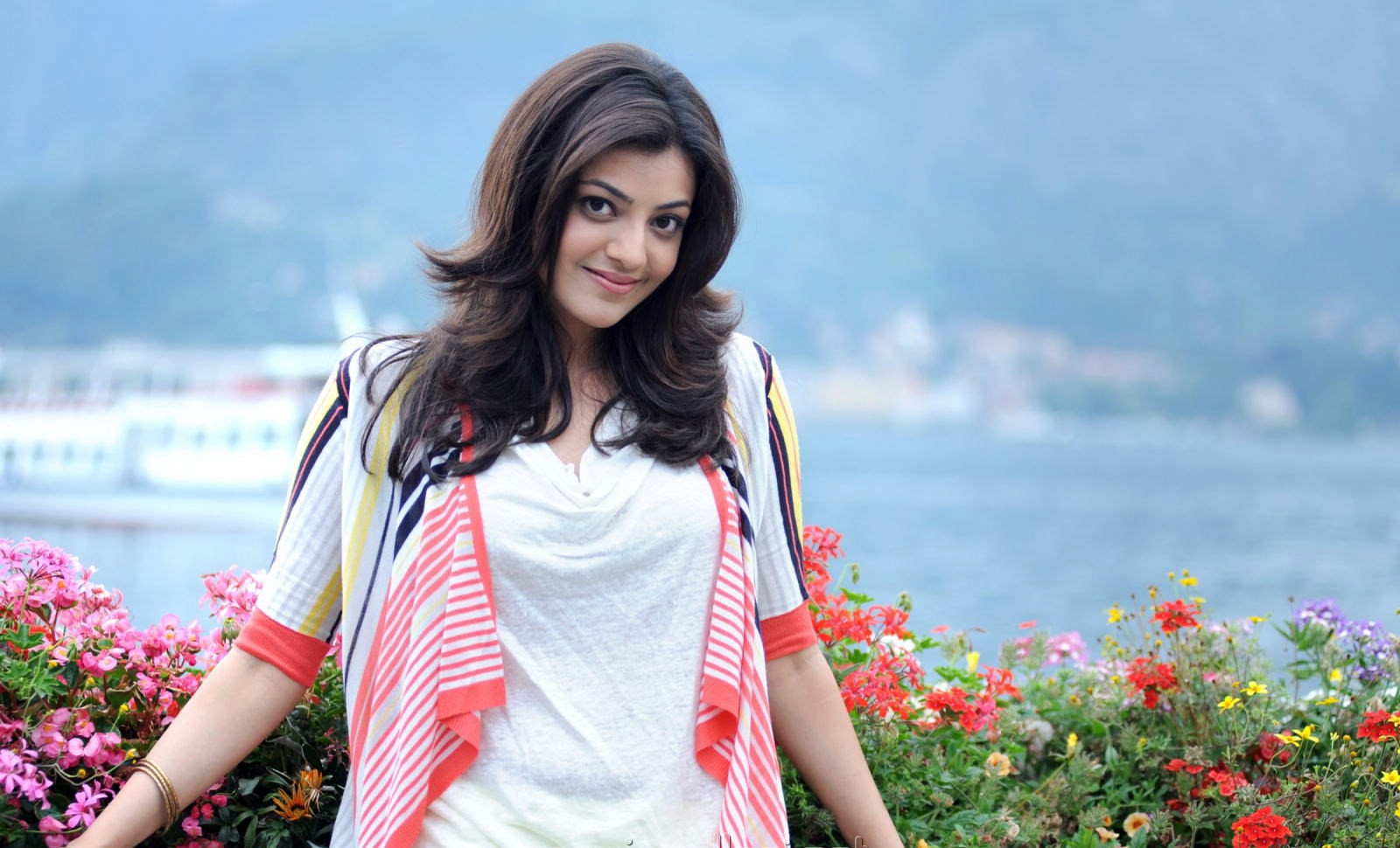 Kajal Agarwal Wallpapers Pictures Images