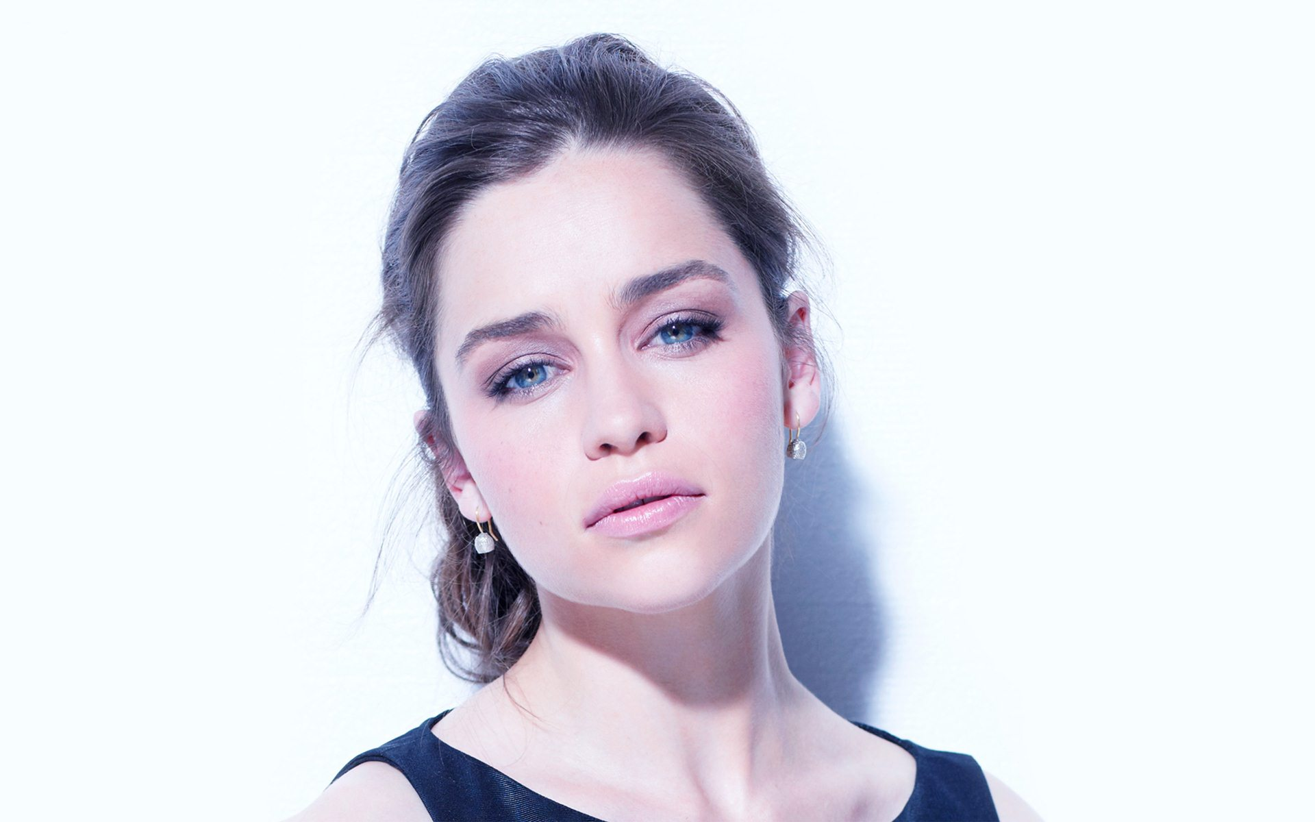 Emilia Clarke Wallpapers Pictures Images