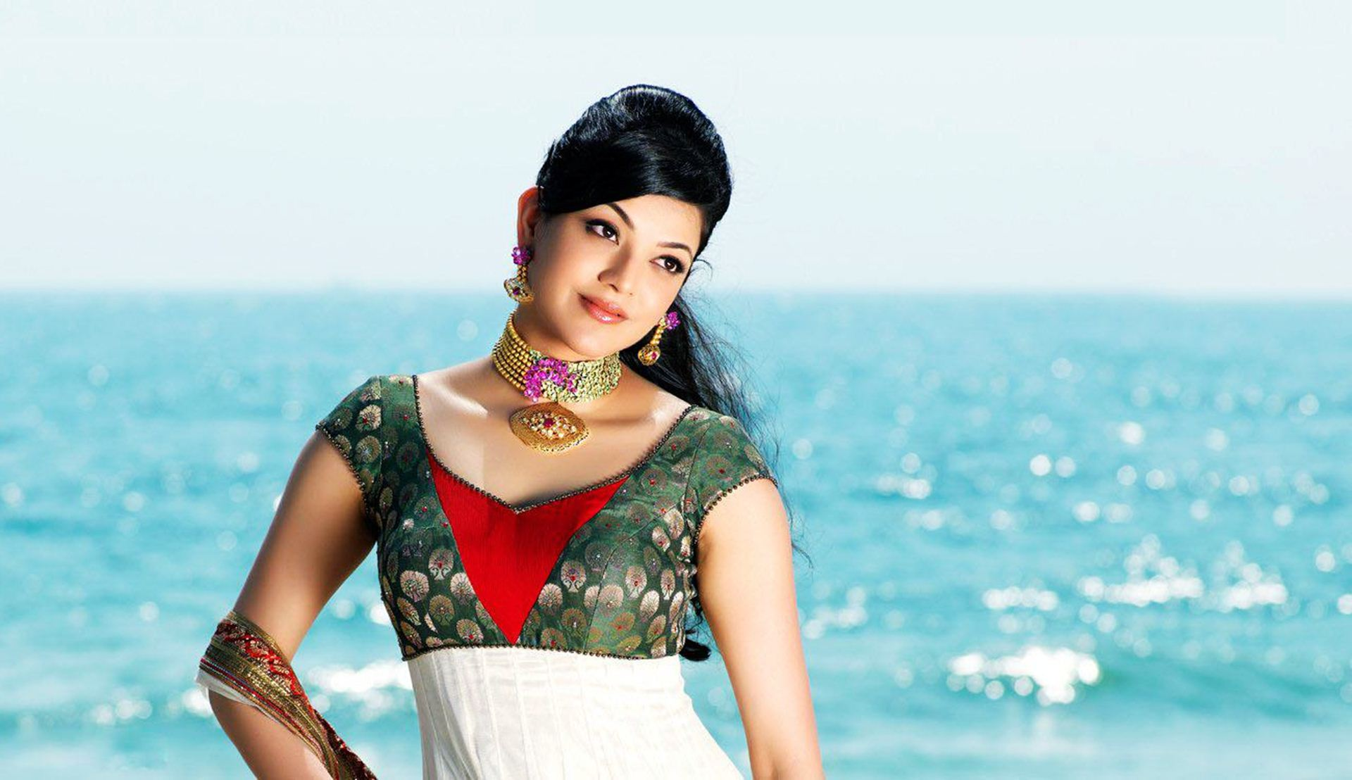 Kajal Agarwal Wallpapers, Pictures, Images