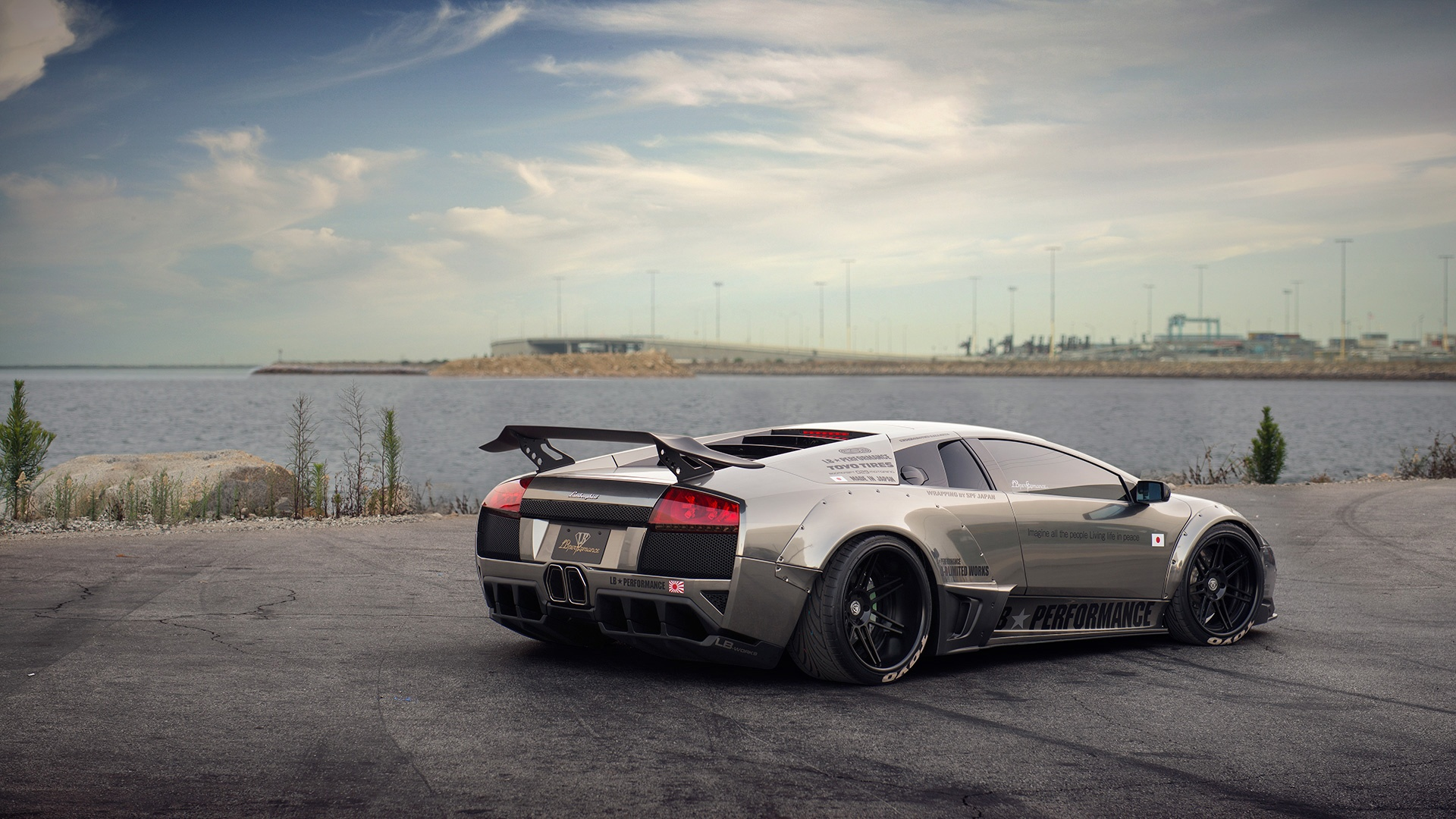 Lamborghini aventador wallpapers pictures images - Luxury car hd wallpaper download ...