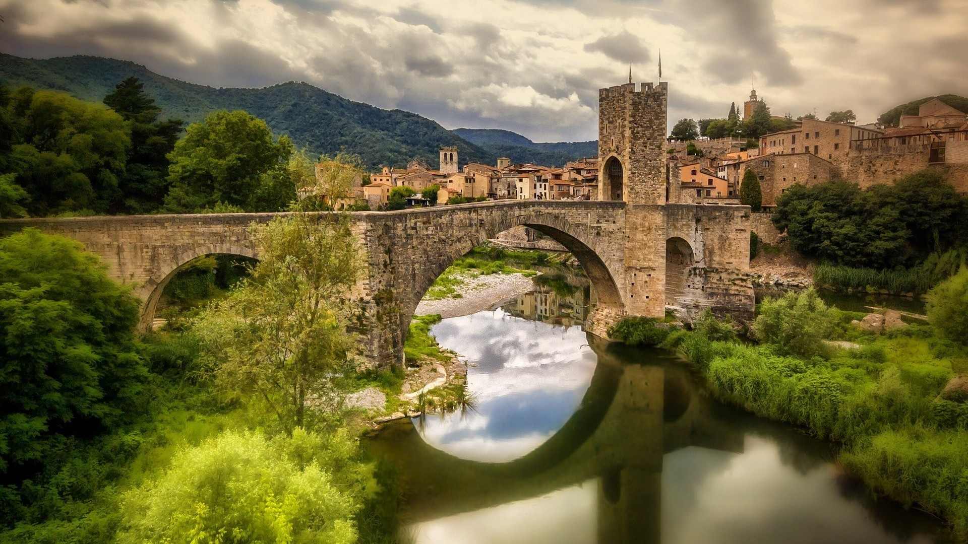 Beautiful Castles Spain Wallpapers Pictures Images