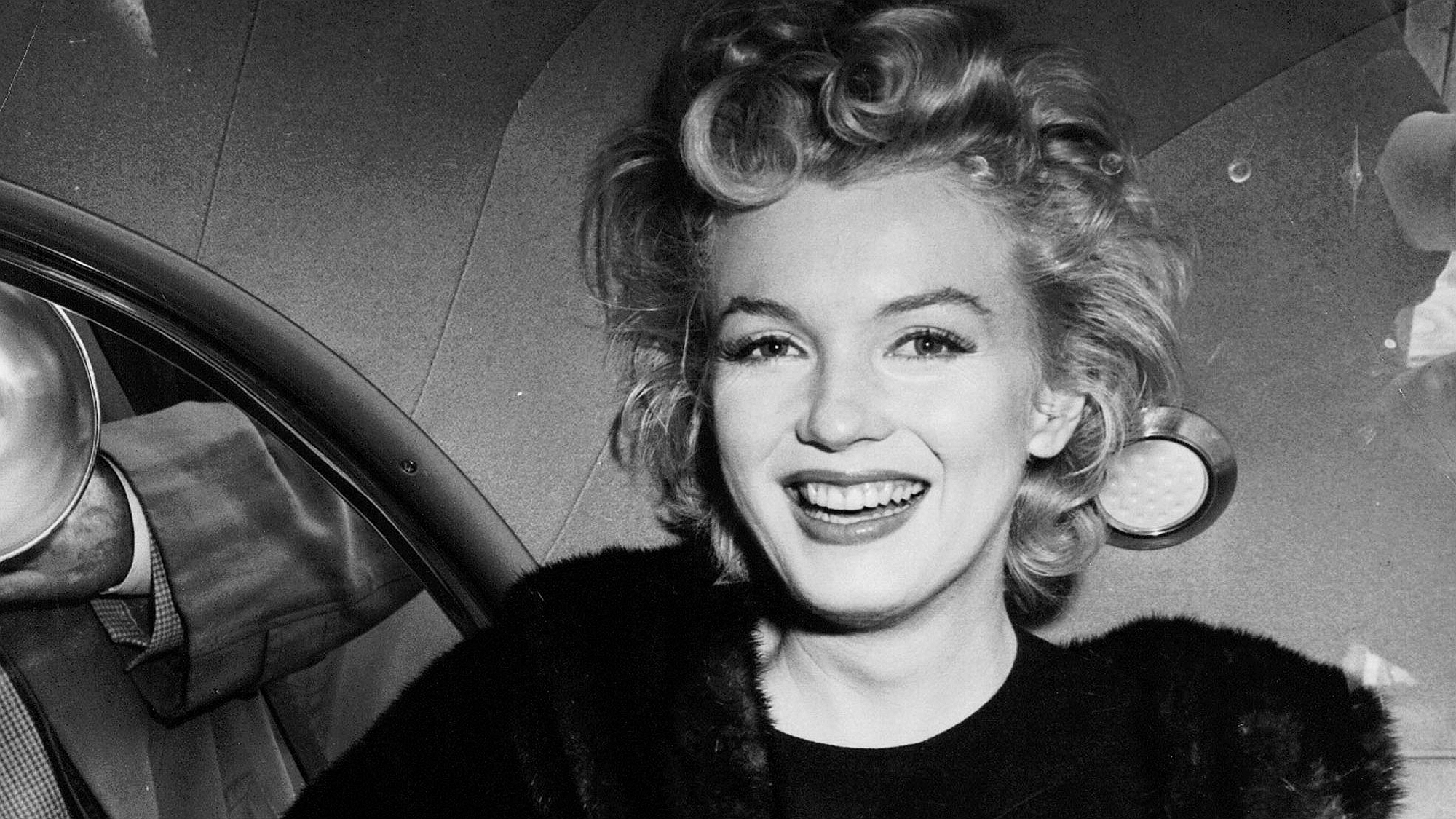 Marilyn Monroe Wallpapers Pictures Images