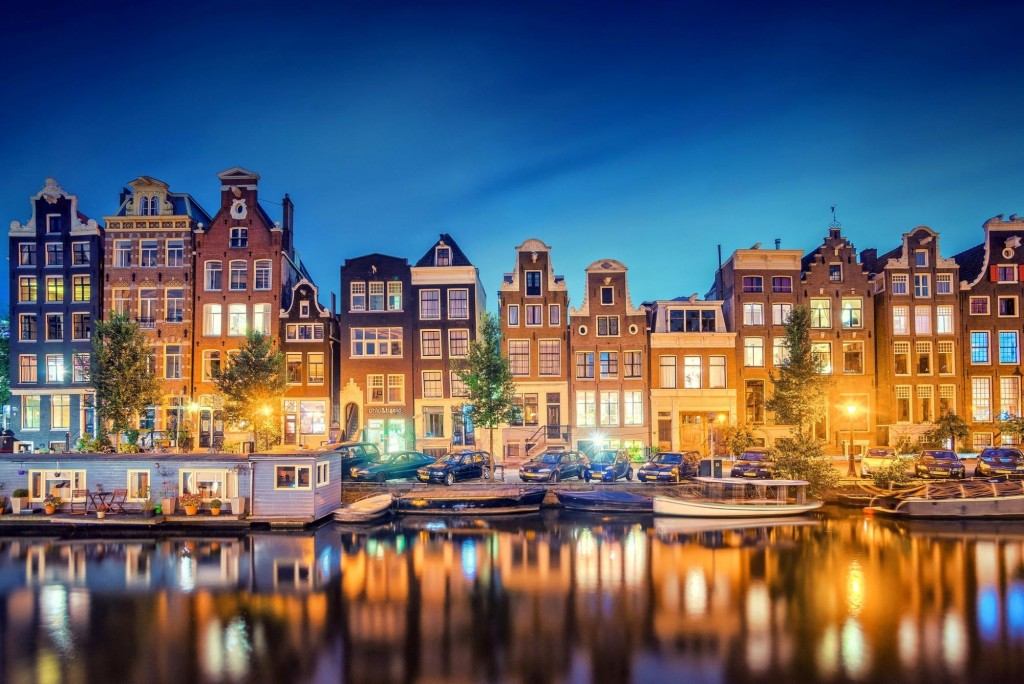 night_in_amsterdam-1583739