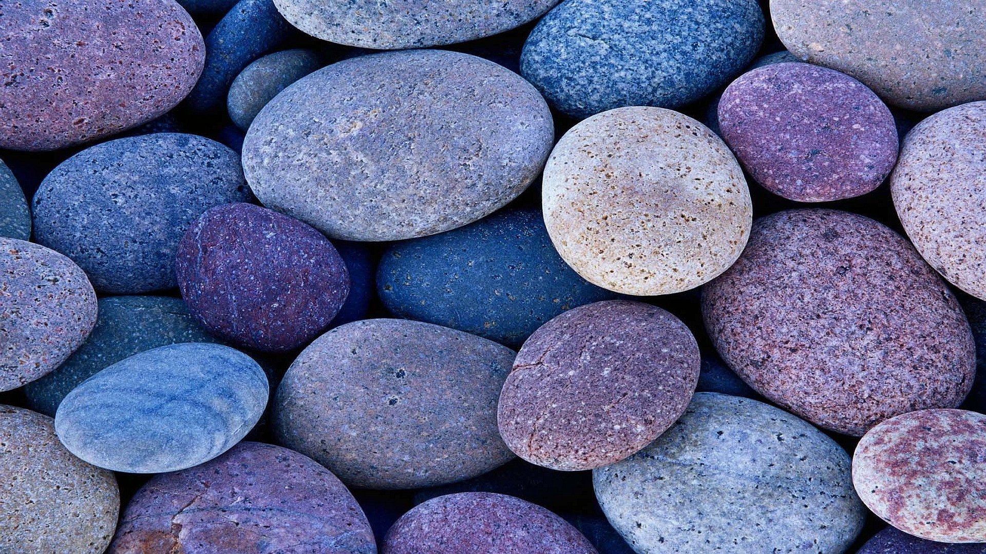 Pebbles wallpapers pictures images for What are river stones