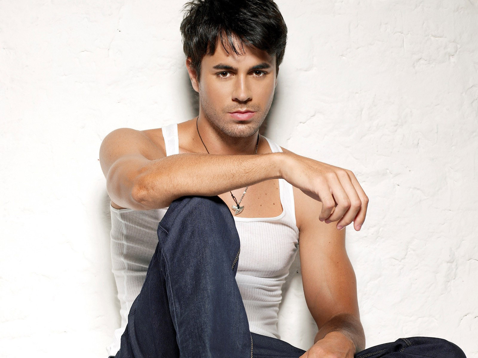 Enrique Iglesias News Pictures and Videos