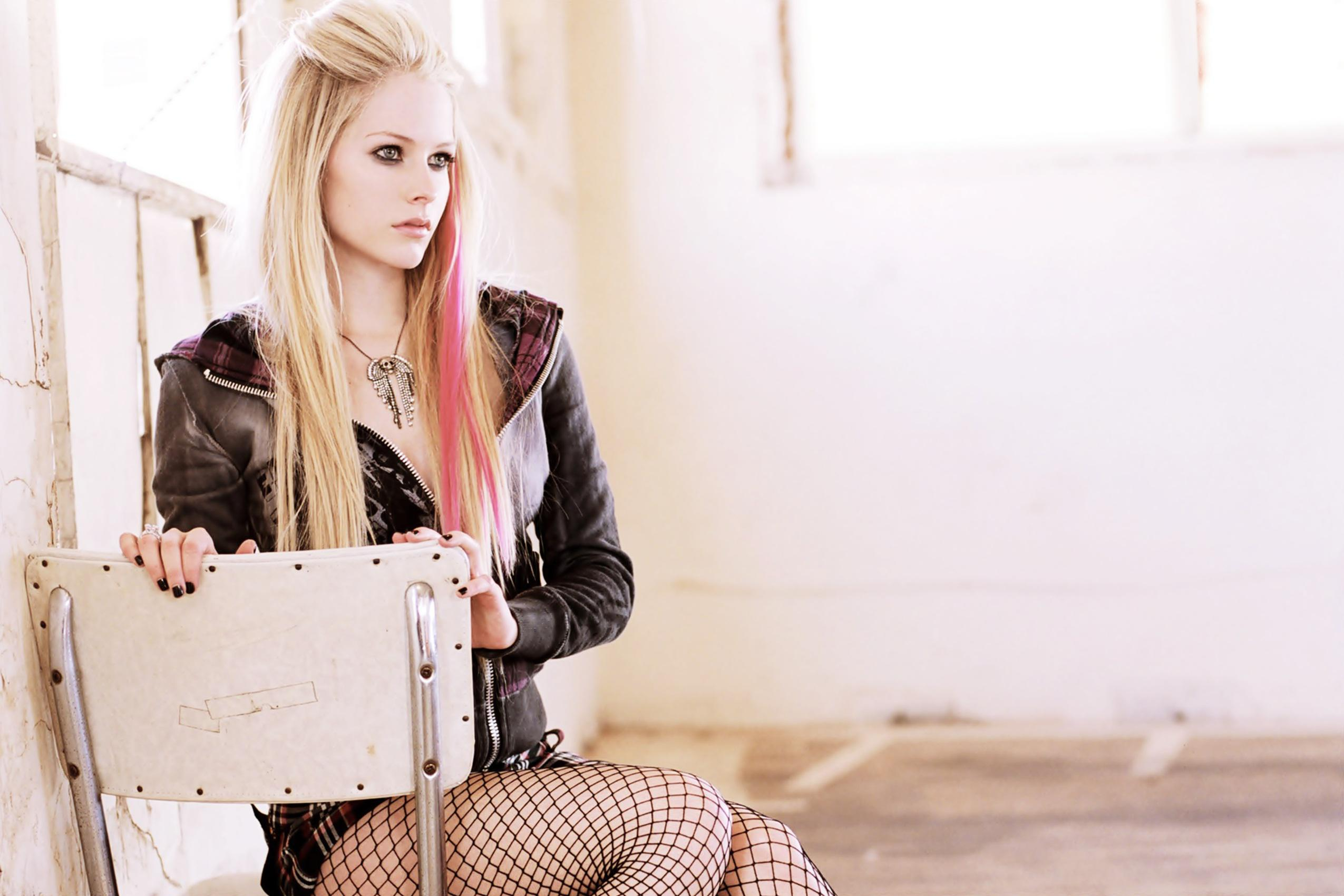 Avril Lavigne Wallpapers, Pictures, Images Avril Lavigne