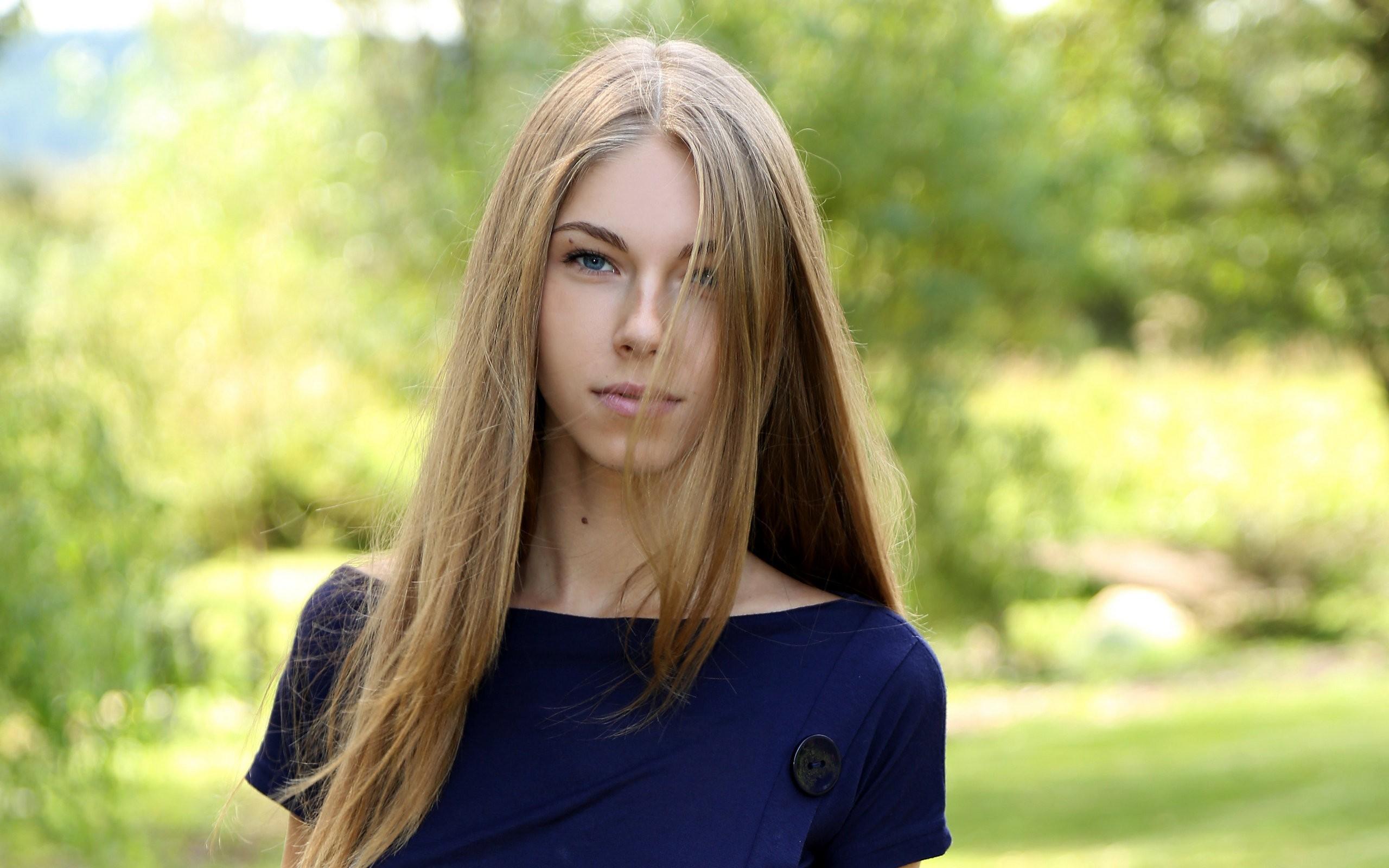 Порно фото бесплатно большие груди блондинки