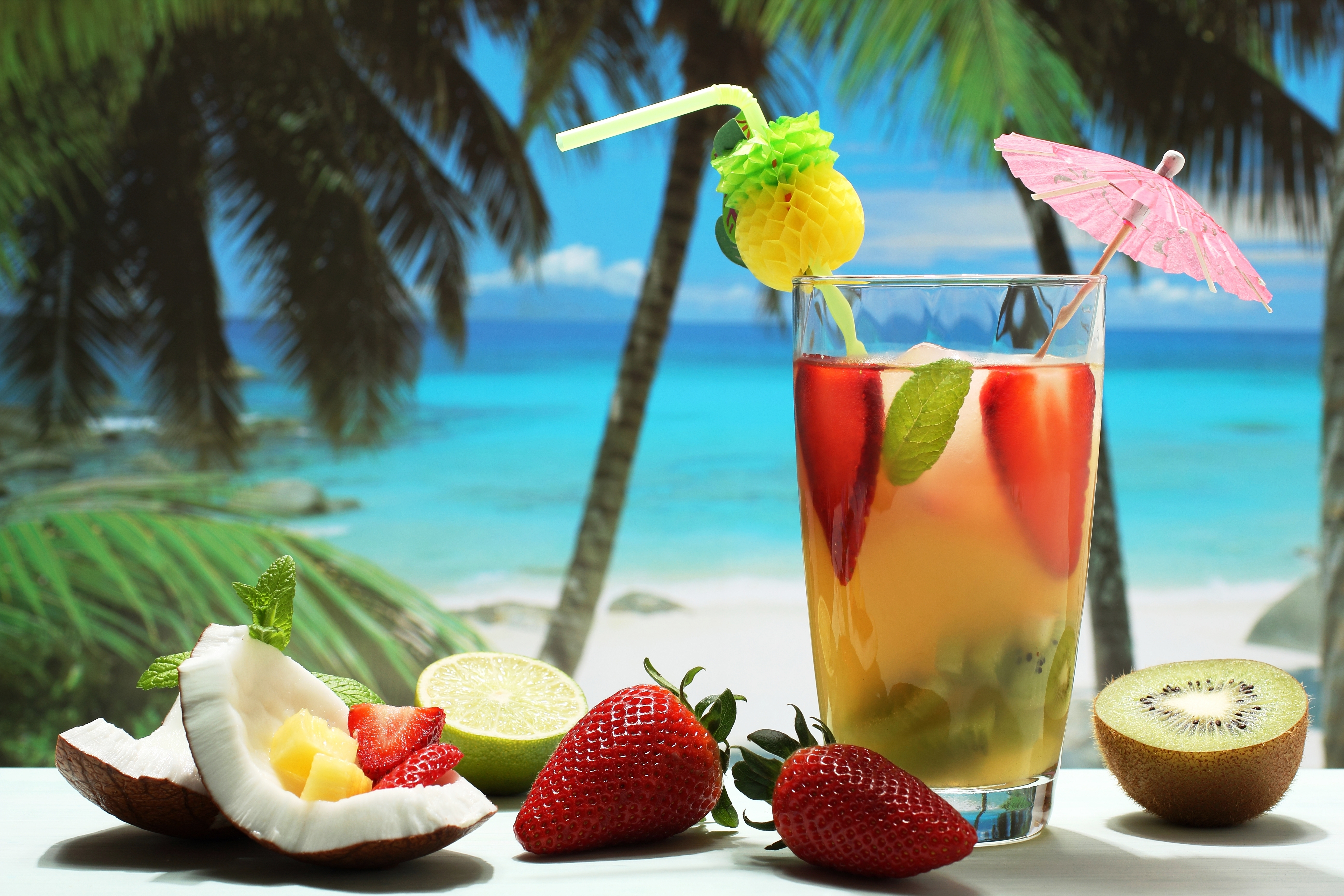 Tropical cocktail wallpapers pictures images for Cocktail drinks without alcohol