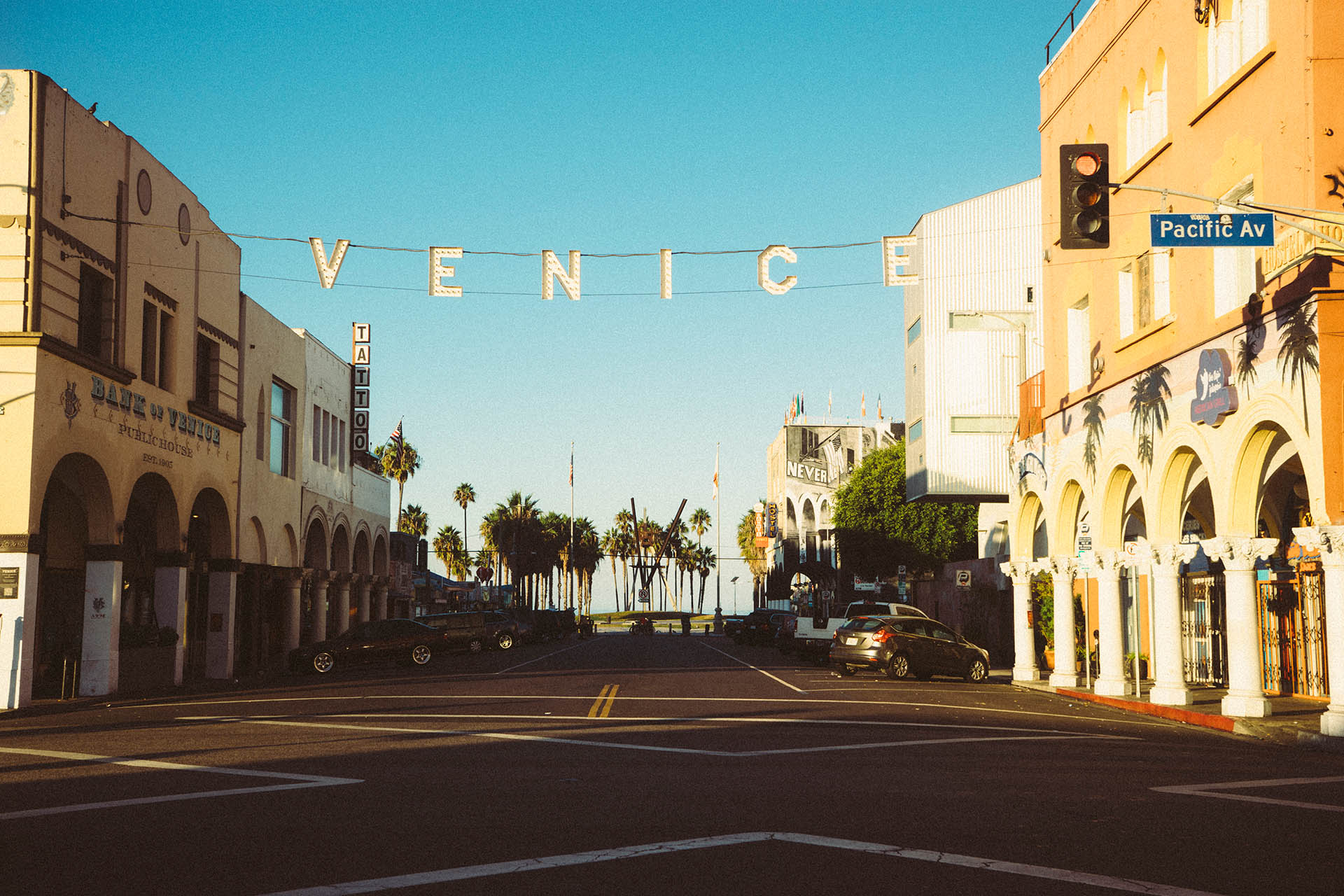 Cool Wallpaper Macbook Los Angeles - Welcome-to-Venice-Beach  Graphic_886826.jpg
