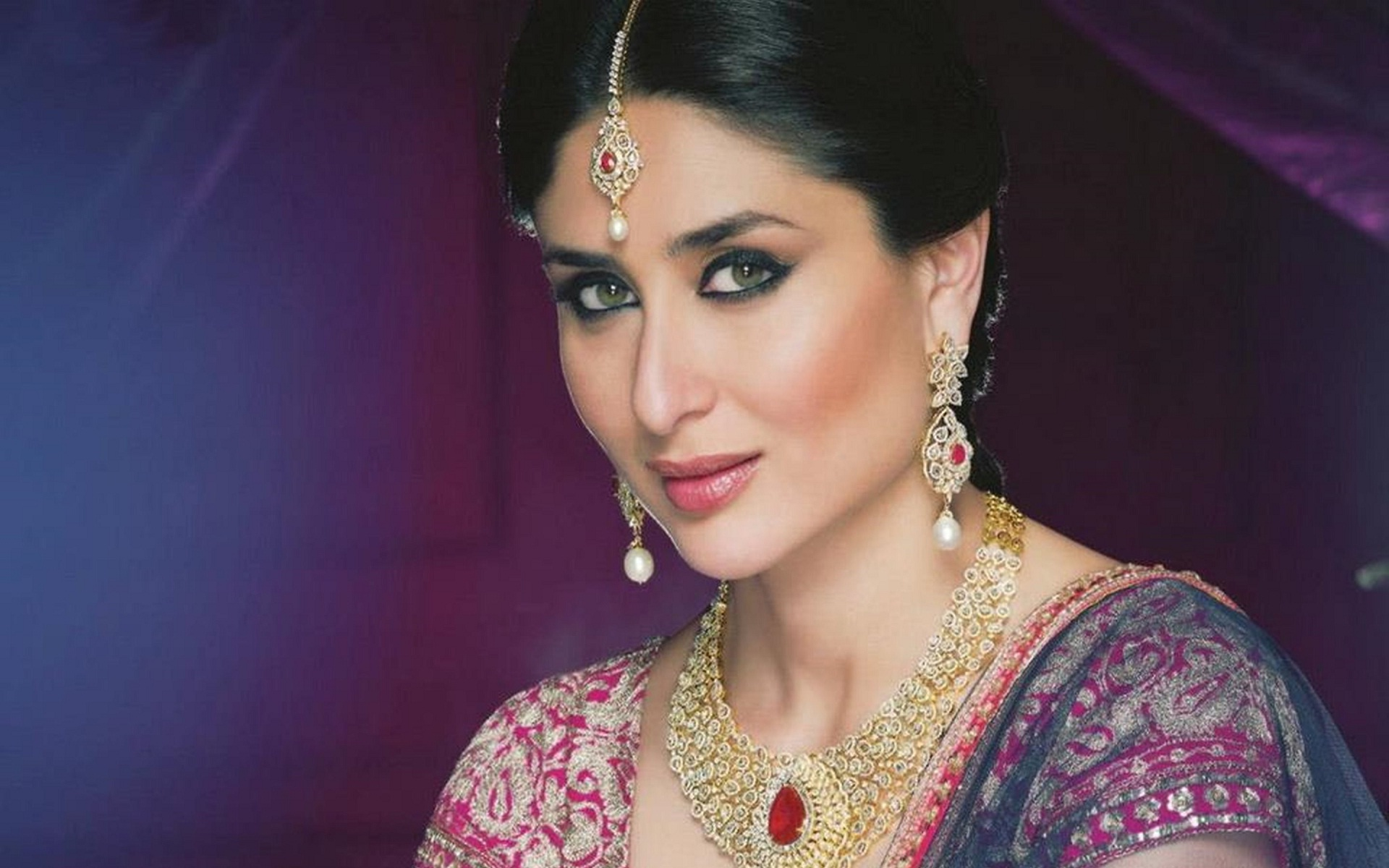 Kareena Kapoor Wallpapers Pictures Images