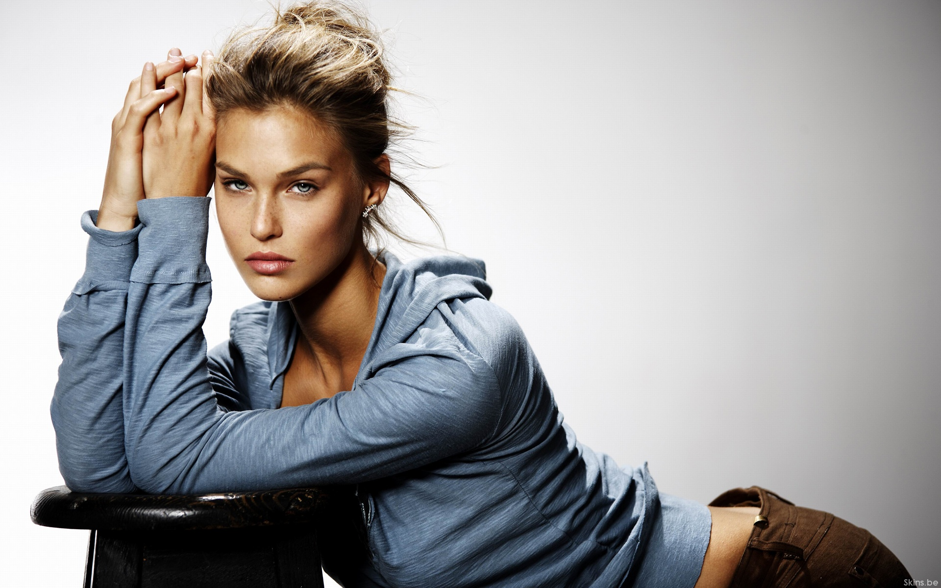 bar refaeli wallpapers pictures images. Black Bedroom Furniture Sets. Home Design Ideas