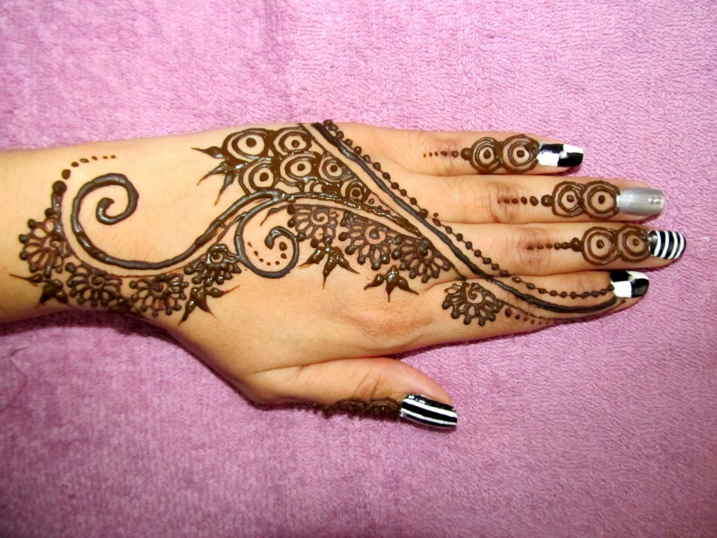 Mehndi Design Wallpapers, Pictures, Images