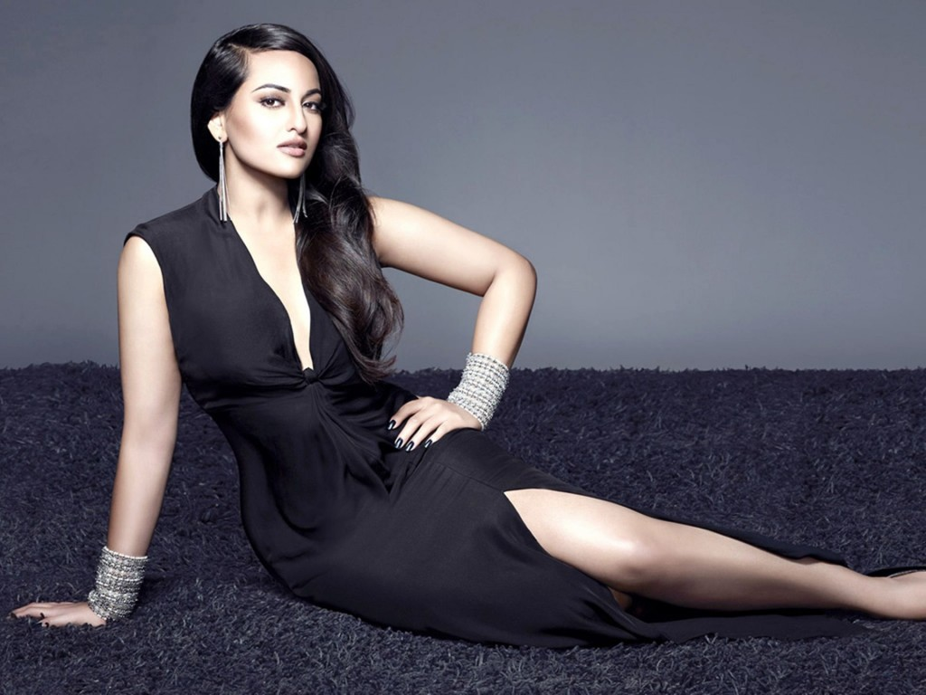 Sonakshi Sinha Wallpaper