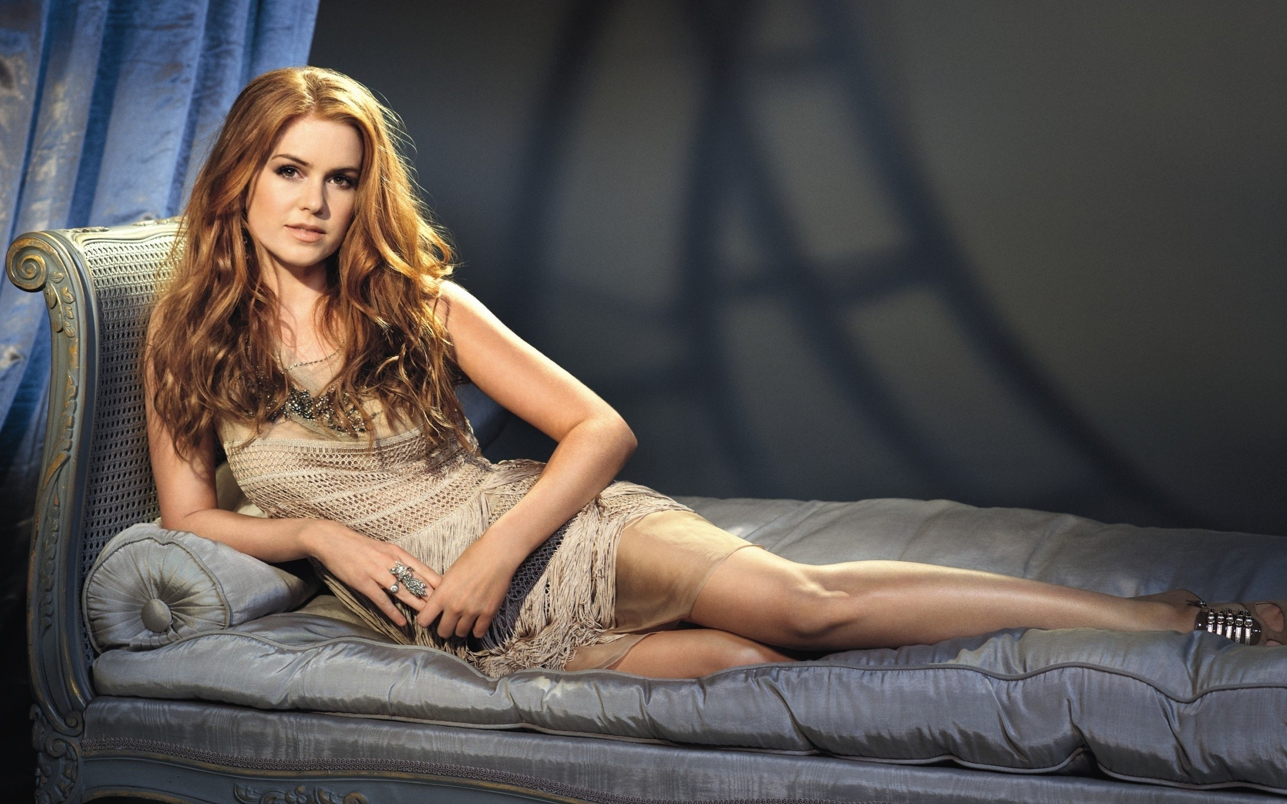 Sexy Isla Fisher Photos Near-Nude Isla Fisher Pics