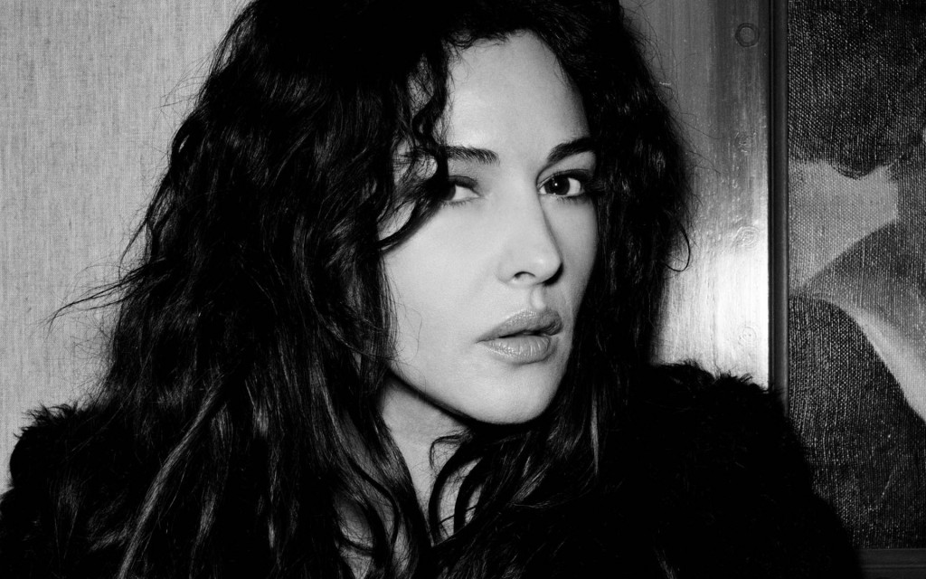 Monica Bellucci Widescreen Wallpaper 1920x1200