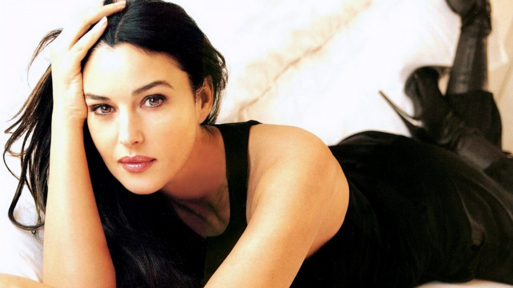 Monica Bellucci Full HD Wallpaper 1920x1080