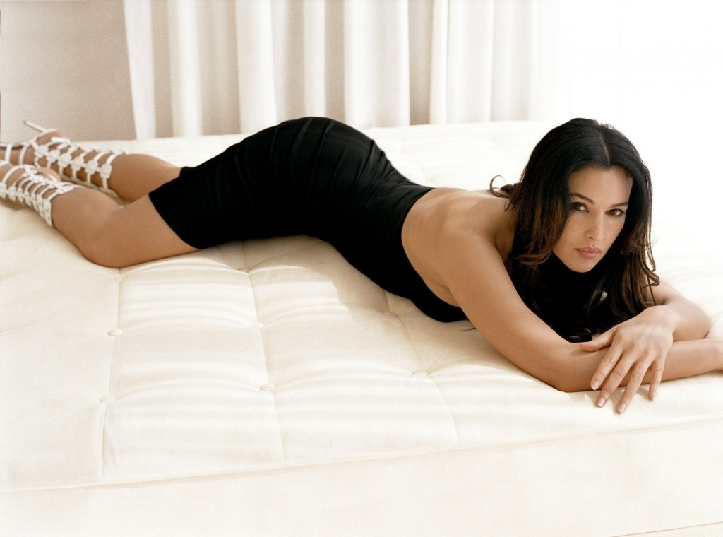 Monica Bellucci Wallpaper 2031x1507