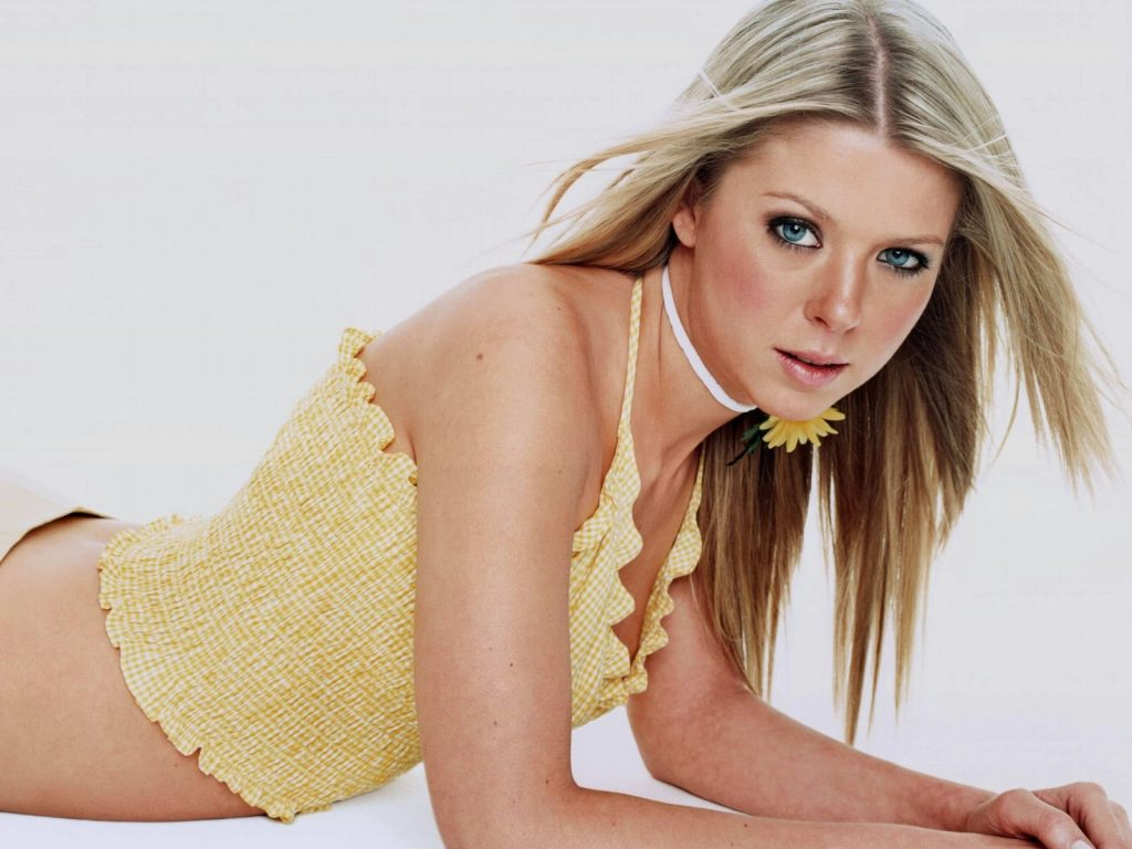 Tara Reid Wallpaper 1600x1200