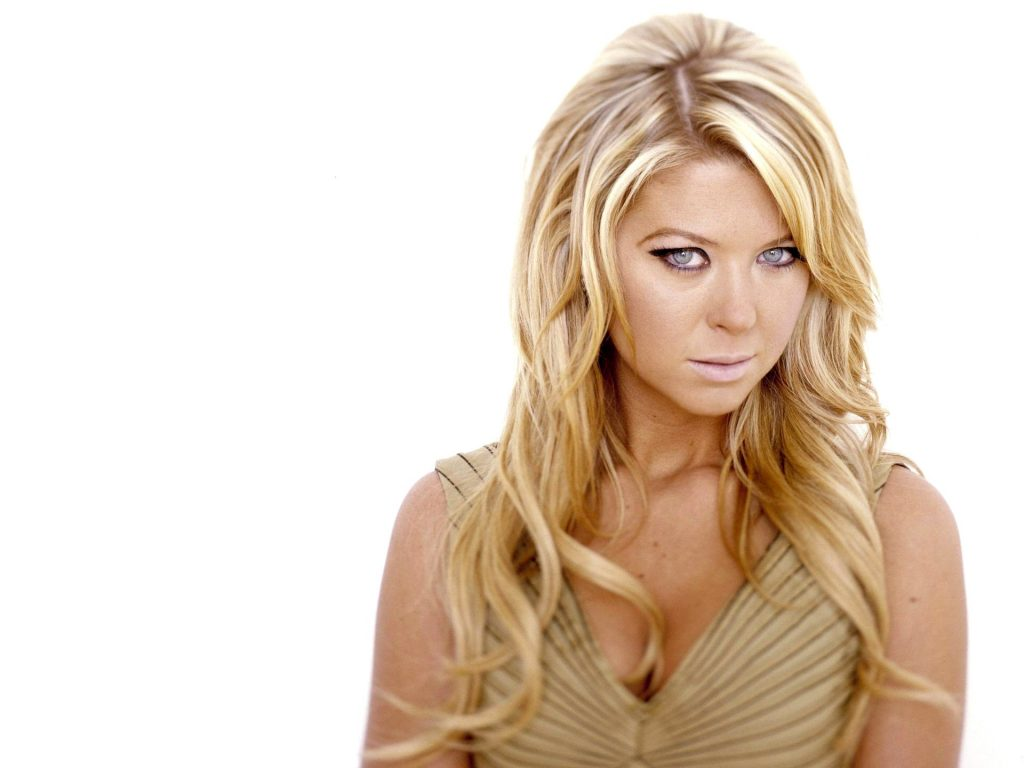 Tara Reid Wallpaper 1920x1440