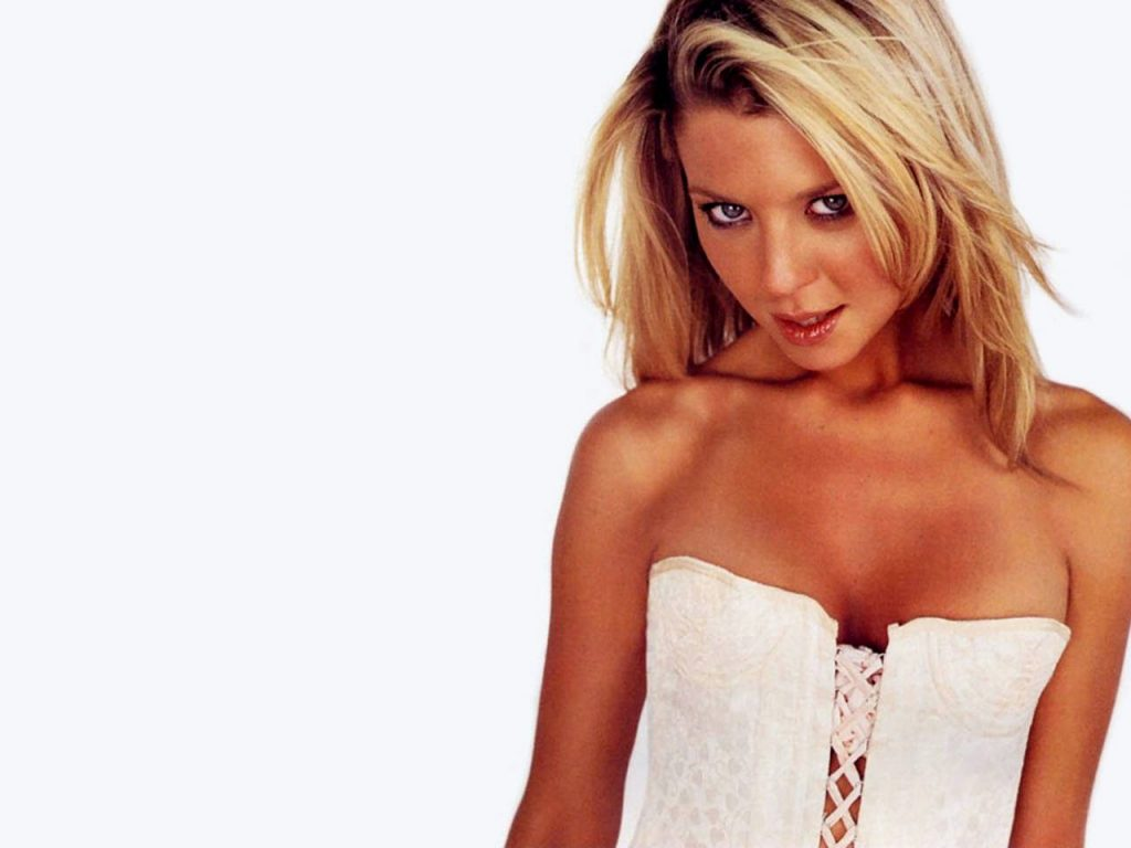Tara Reid Wallpaper 1280x960