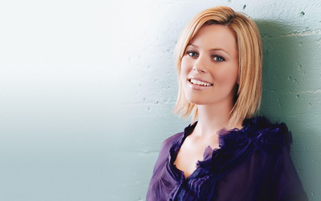 Elizabeth Banks Widescreen Wallpaper 1920x1200