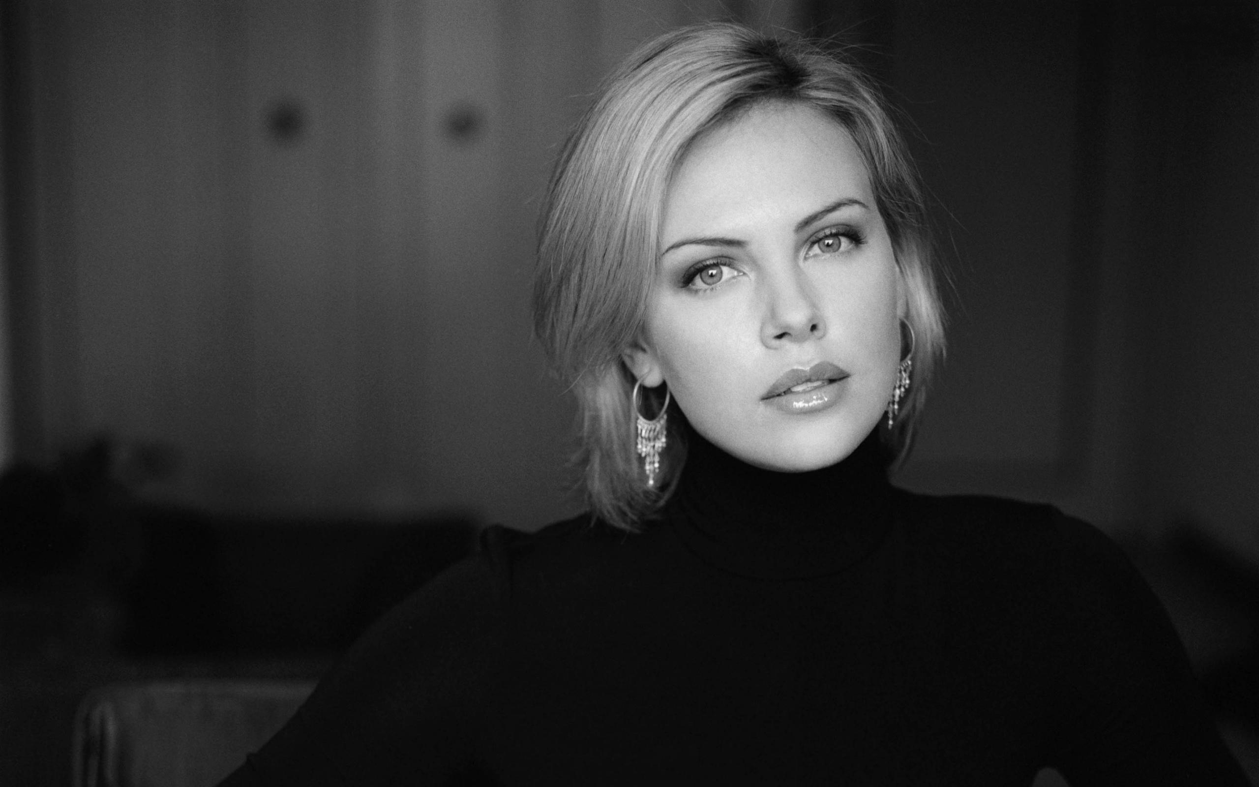 Charlize Theron Wallpapers Pictures Images