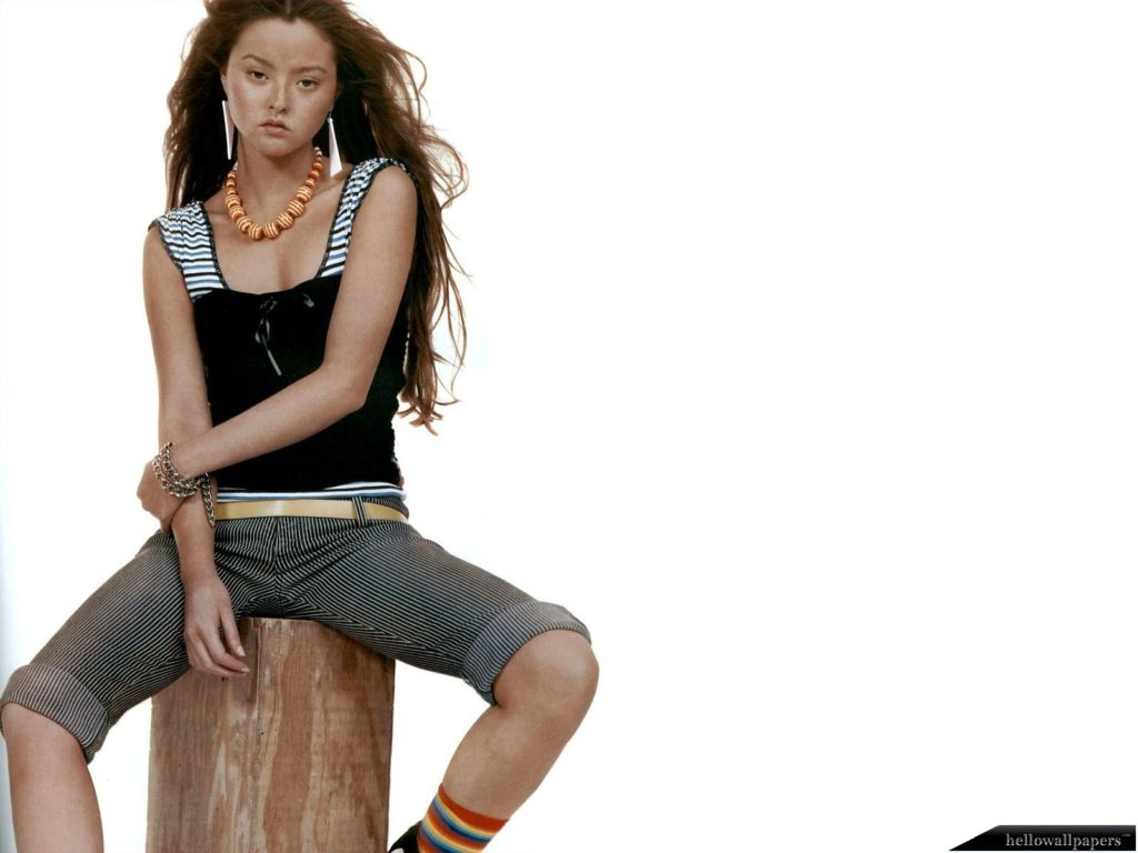 Devon Aoki Wallpaper 1600x1200