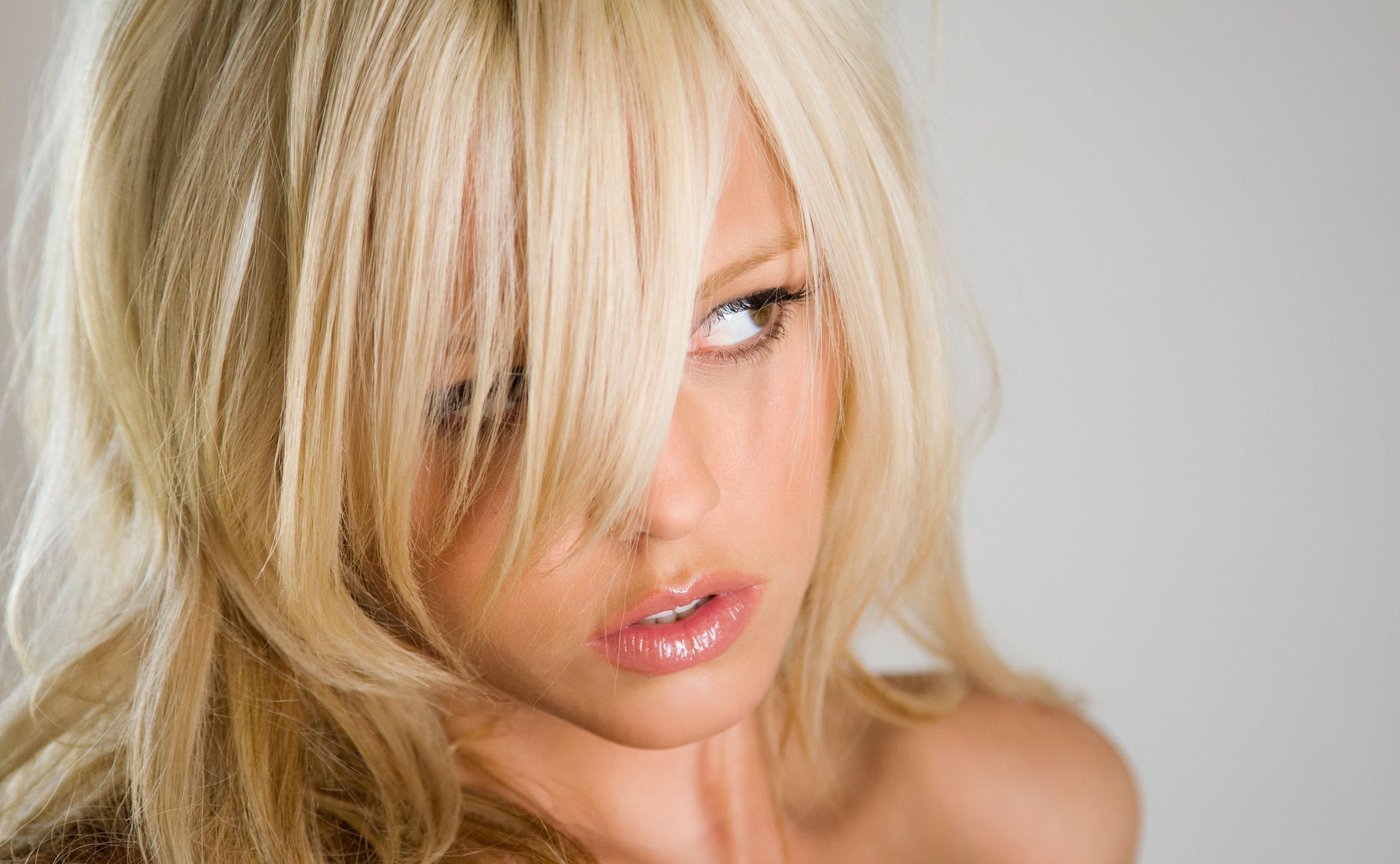 blondes women lindsay marie 1920x1080 wallpaper - People
