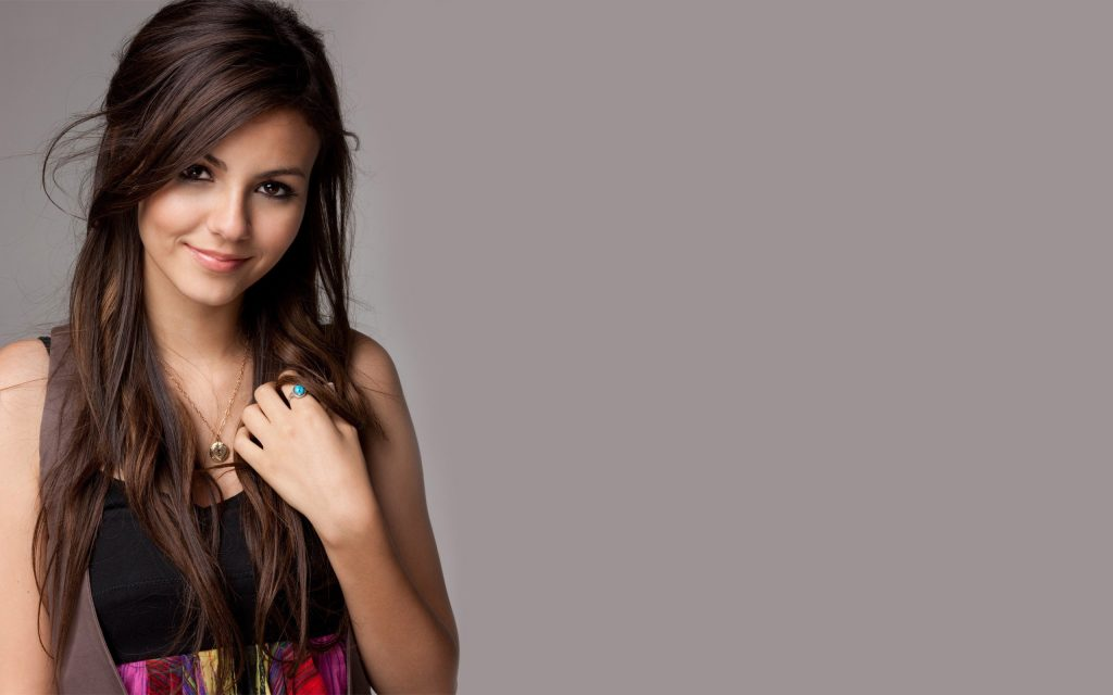 Victoria Justice Widescreen Wallpaper 2560x1600