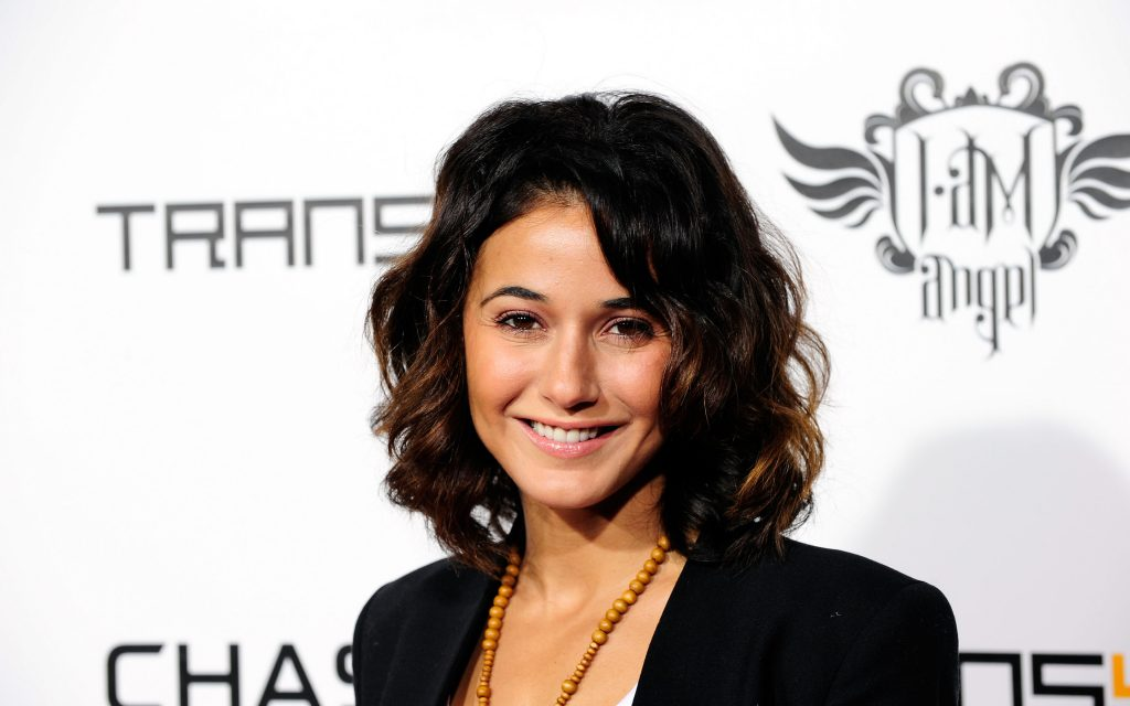 Emmanuelle Chriqui Widescreen Wallpaper 2880x1800