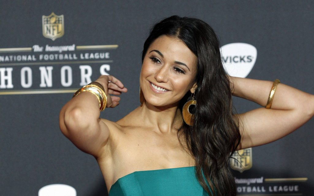 Emmanuelle Chriqui Wallpaper 3200x2000