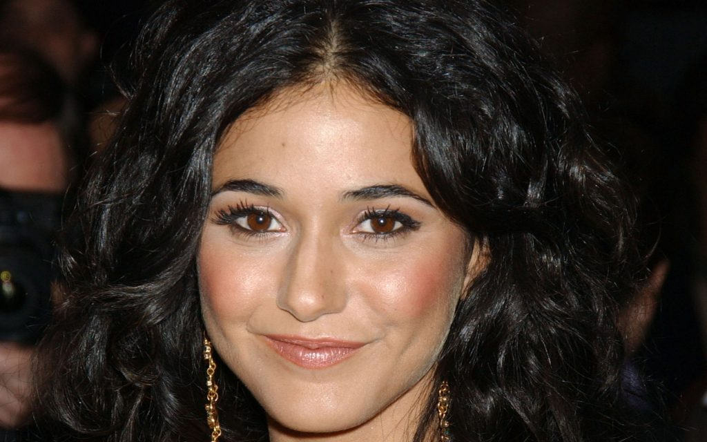 Emmanuelle Chriqui Widescreen Wallpaper 2560x1600