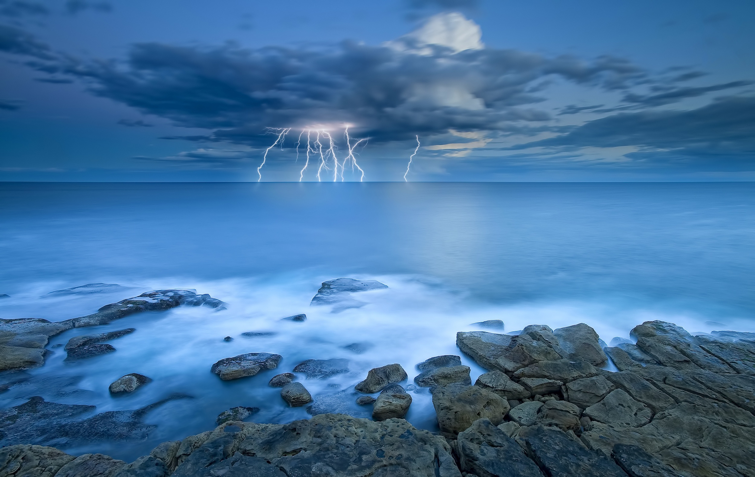 Storm wallpapers pictures images - Wallpaper stills ...