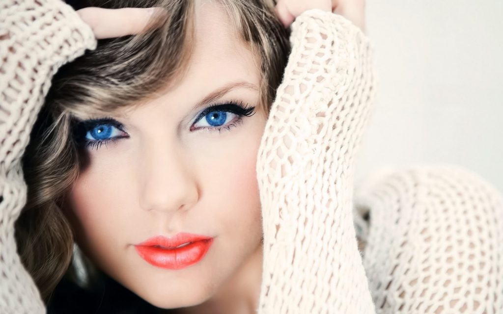 Taylor Swift Widescreen Wallpaper 2560x1600
