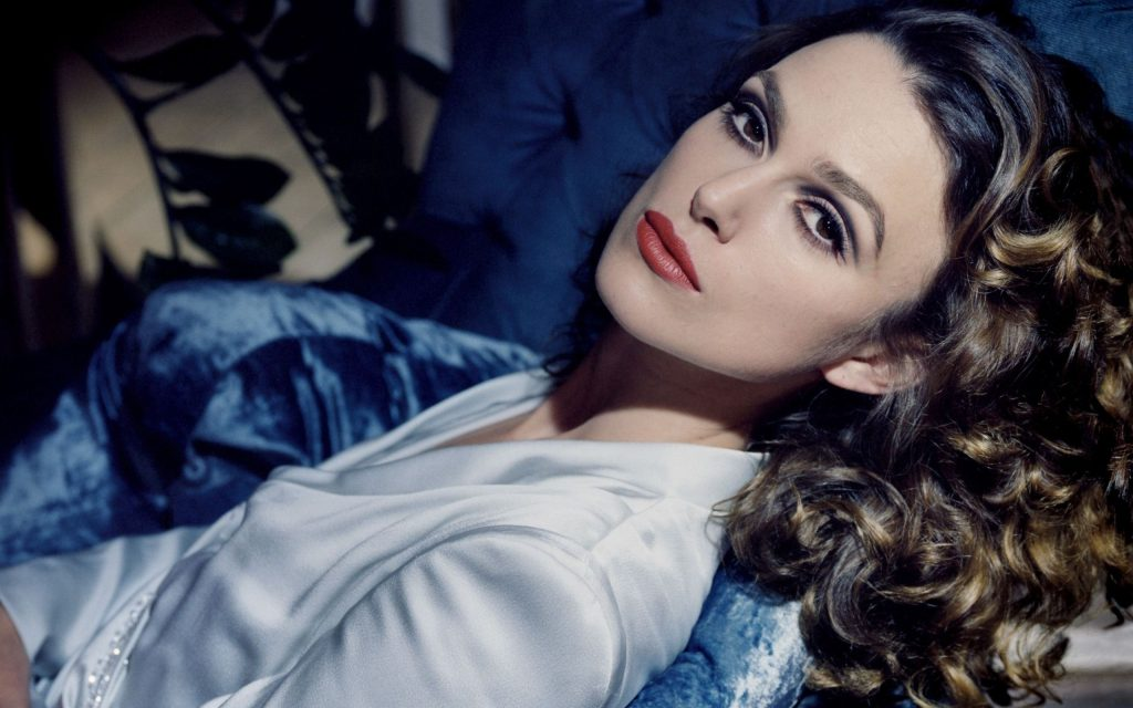 Keira Knightley Widescreen Wallpaper 2560x1600