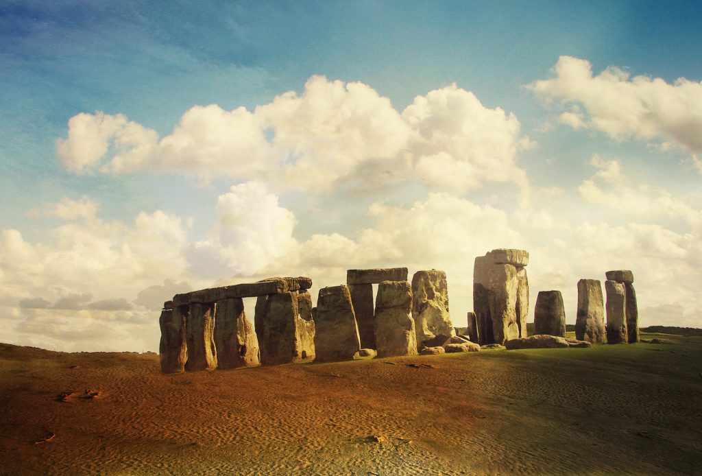 Stonehenge Wallpaper 2013x1365