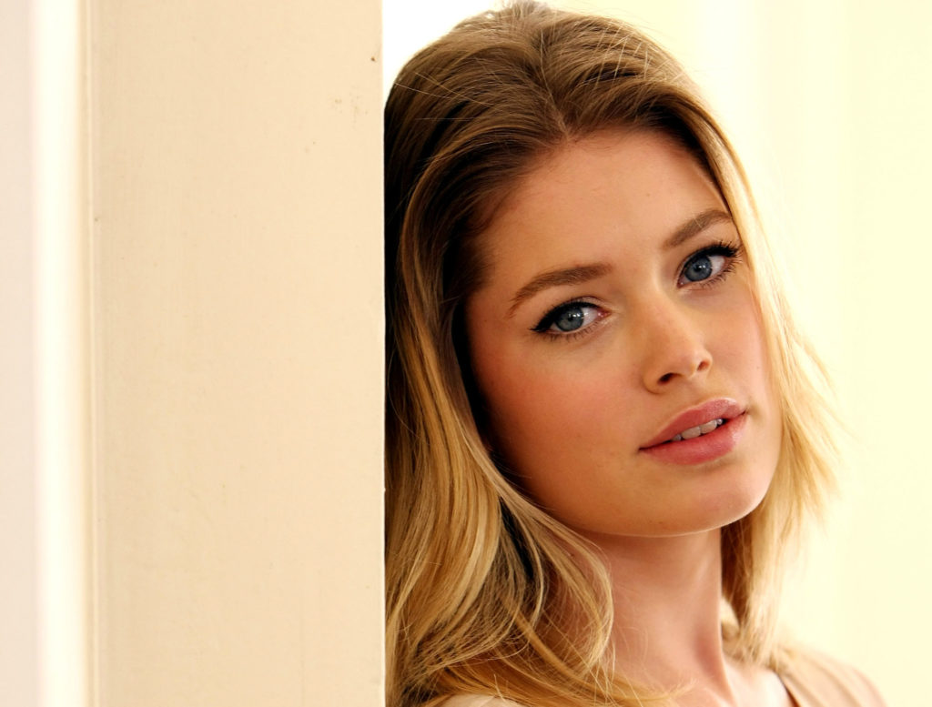 Doutzen Kroes Wallpaper 2000x1517