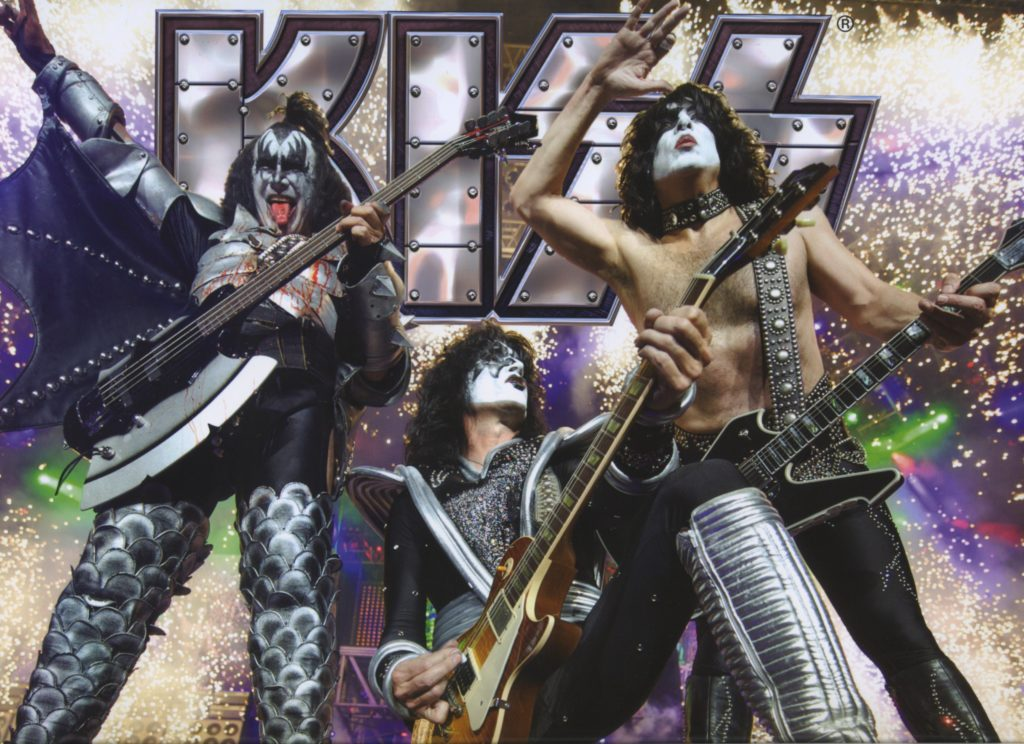 Kiss Wallpaper 7019x5100