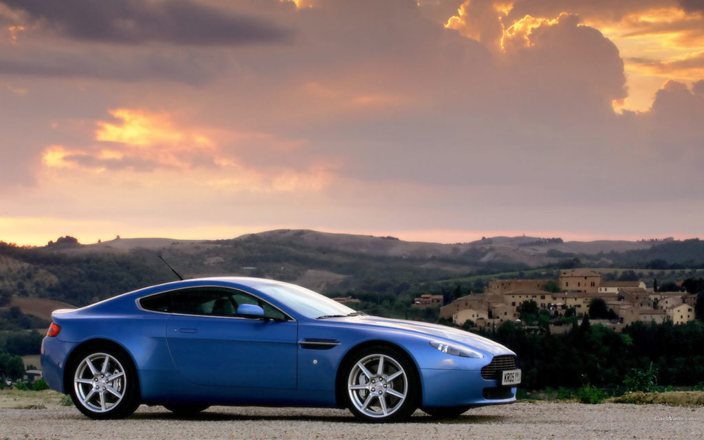 Aston Martin V8 Vantage Widescreen Wallpaper
