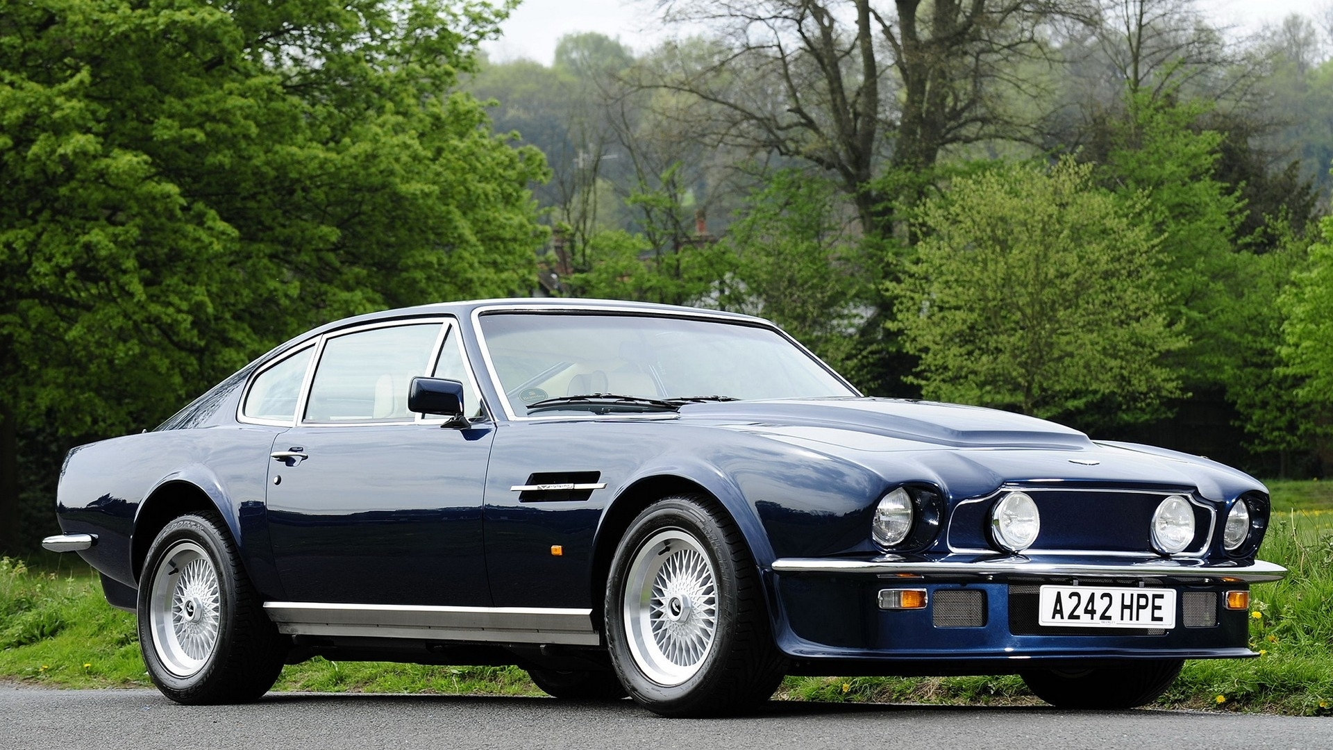 Aston Martin Vantage Hd Wallpaper