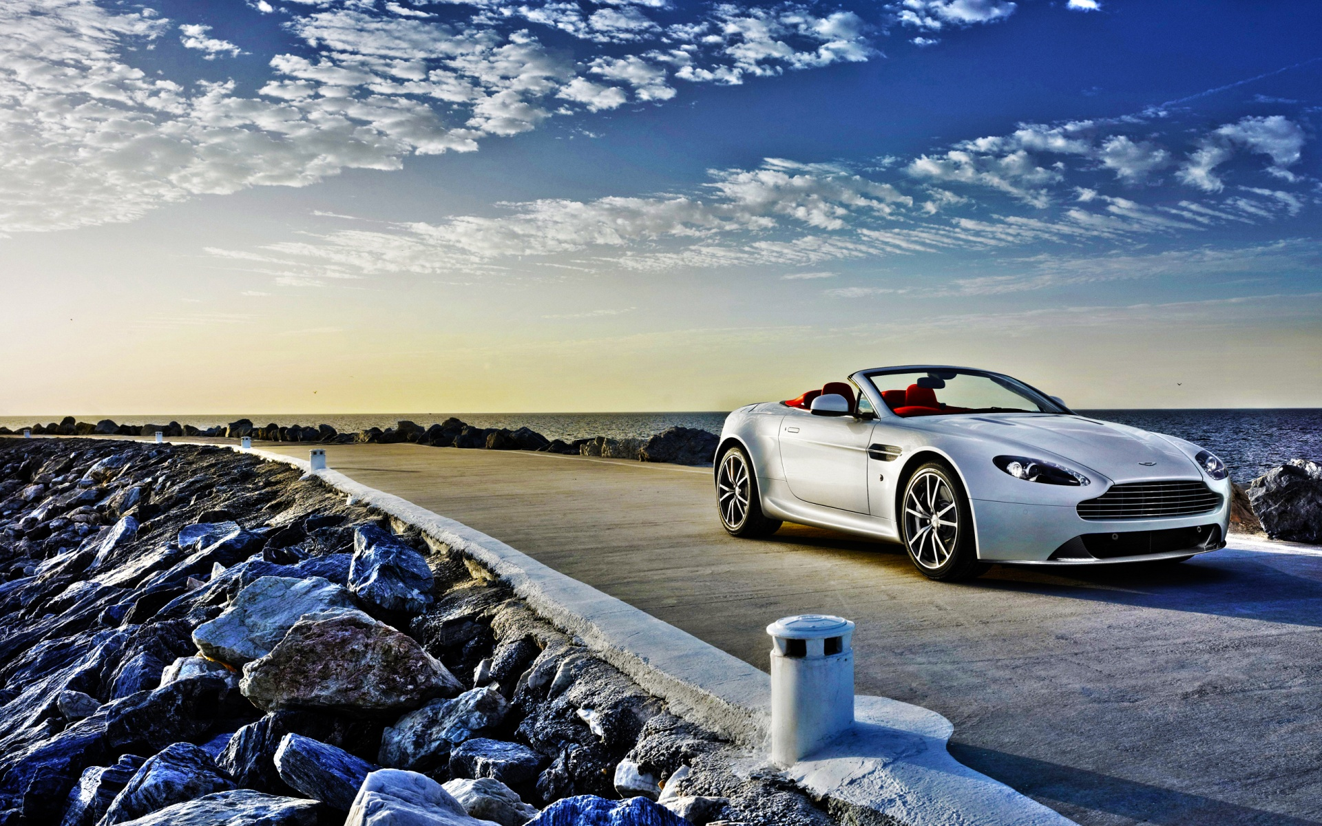 Aston Martin V8 Vantage Wallpapers, Pictures, Images