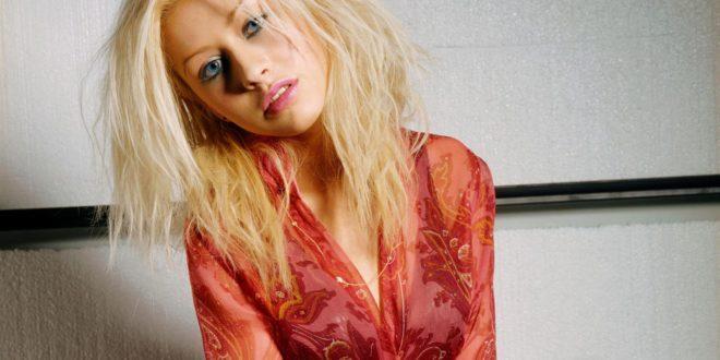 Christina Aguilera Backgrounds