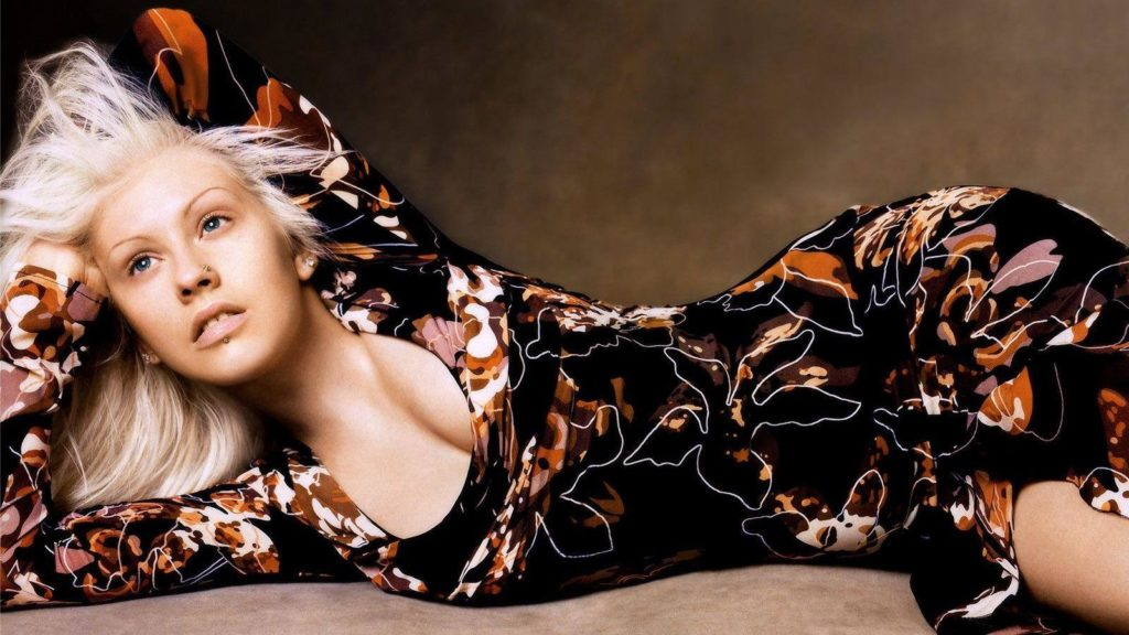 Christina Aguilera Widescreen Background