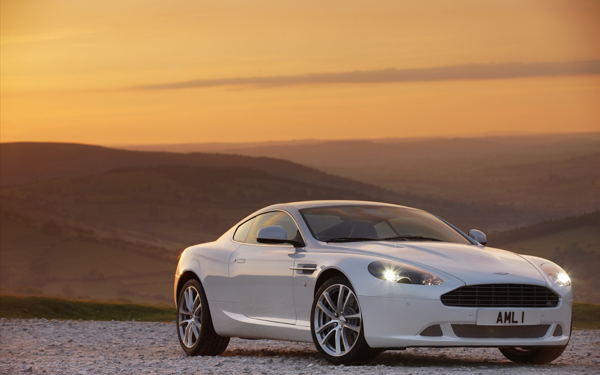 Aston Martin DB9 Wallpapers, Pictures, Images