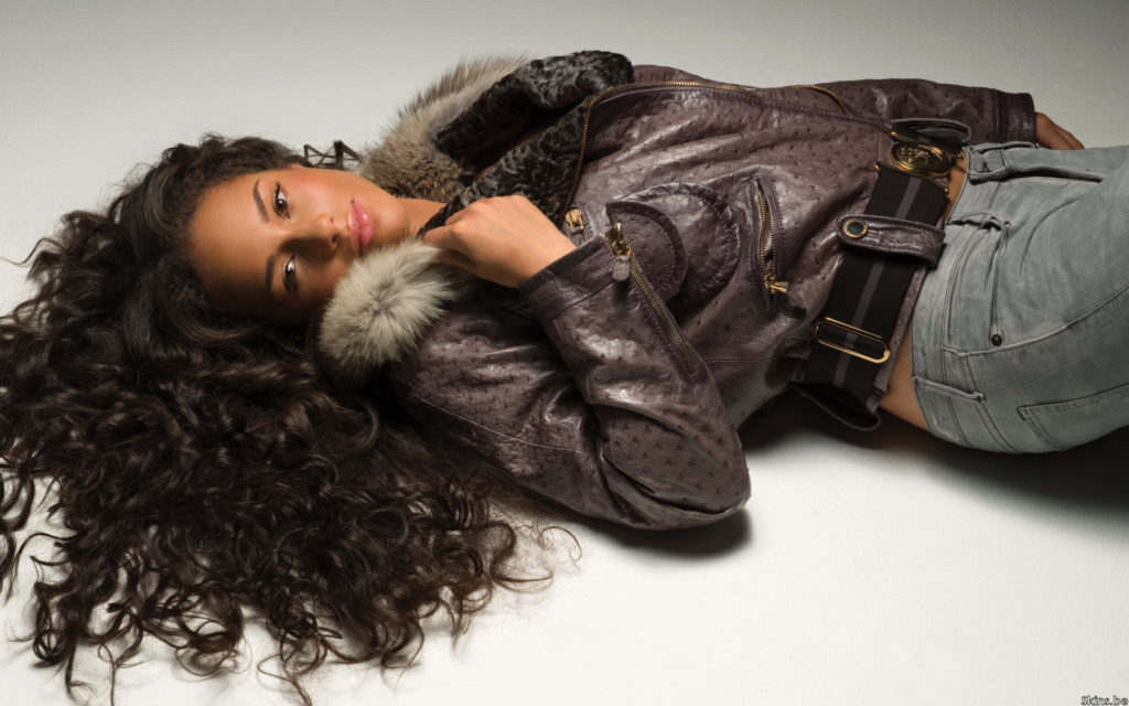 Alicia Keys Widescreen Wallpaper