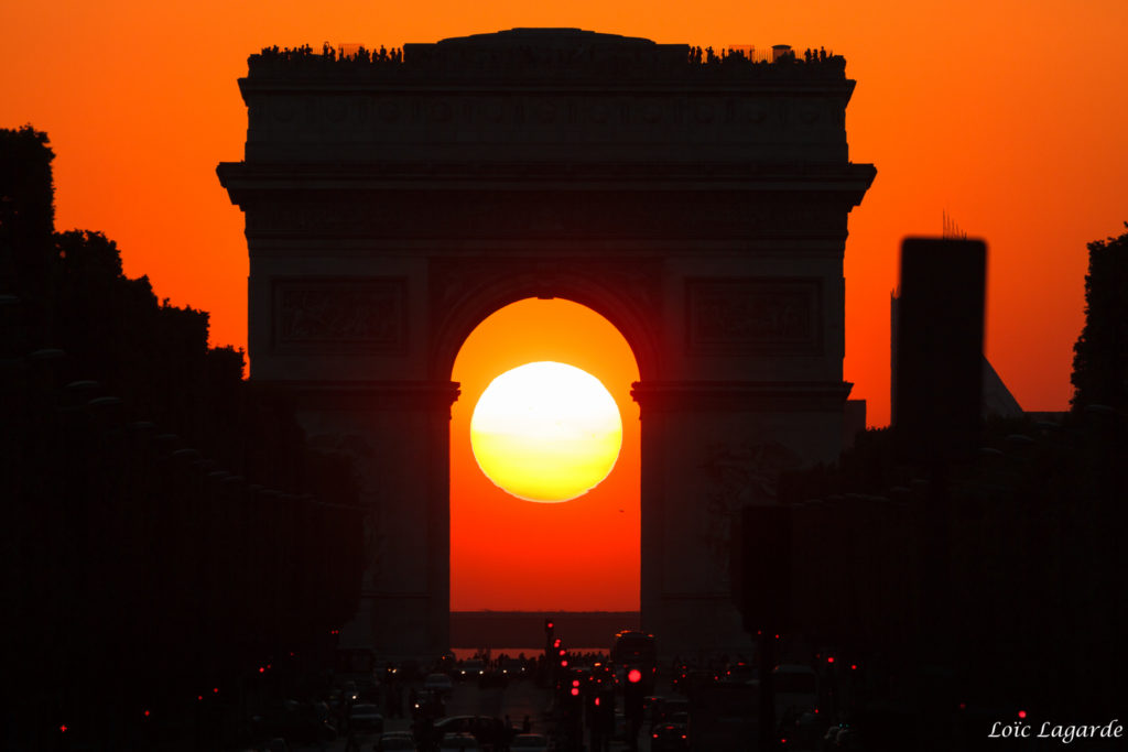 Arc De Triomphe Wallpaper 2048x1365
