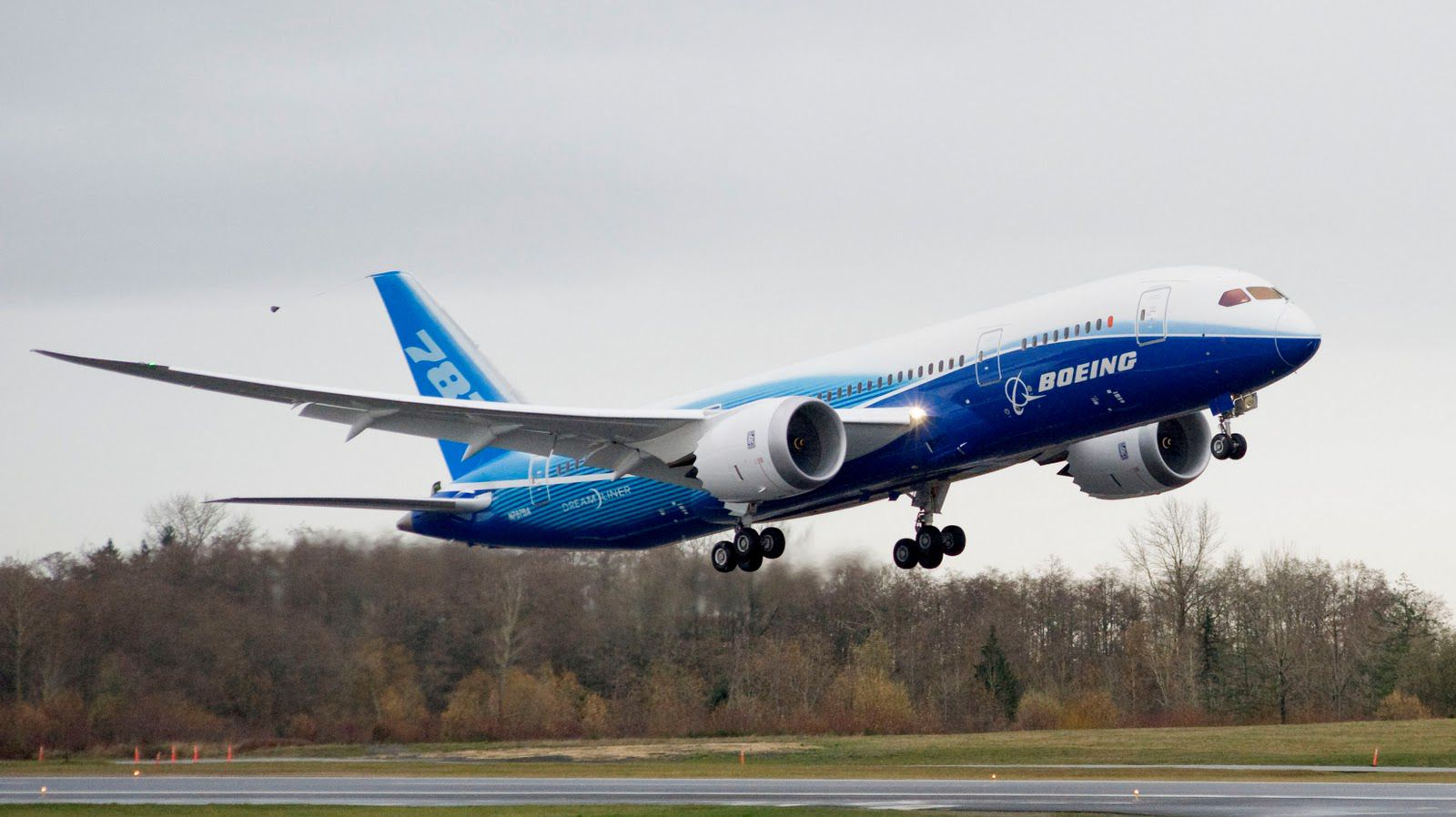 Boeing 787 Dreamliner Wallpapers Pictures Images