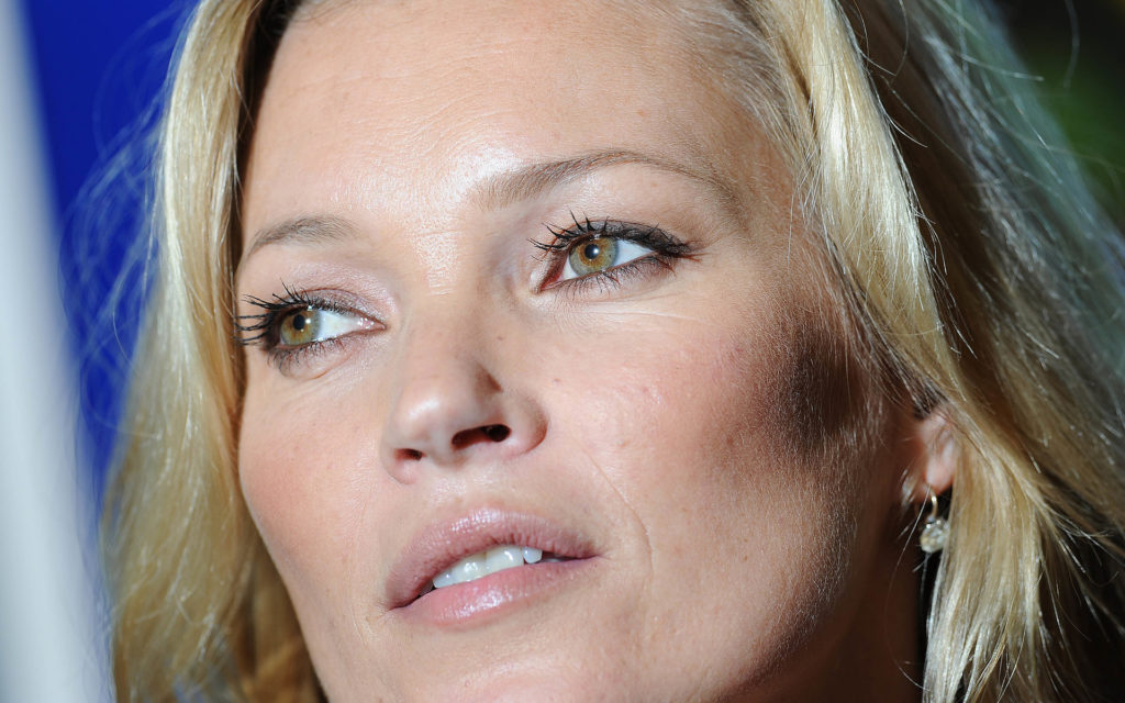 Kate Moss Widescreen Wallpaper
