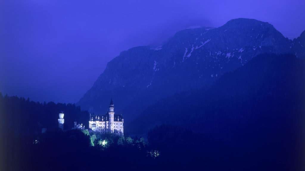 Neuschwanstein Castle Full HD Wallpaper