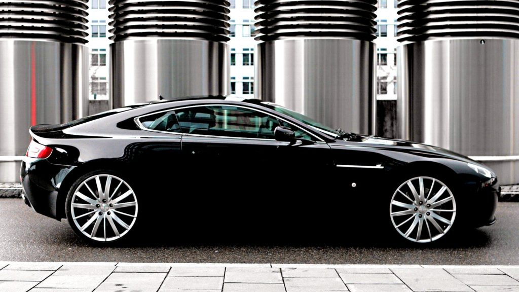 Aston Martin V12 Vantage Full HD Wallpaper